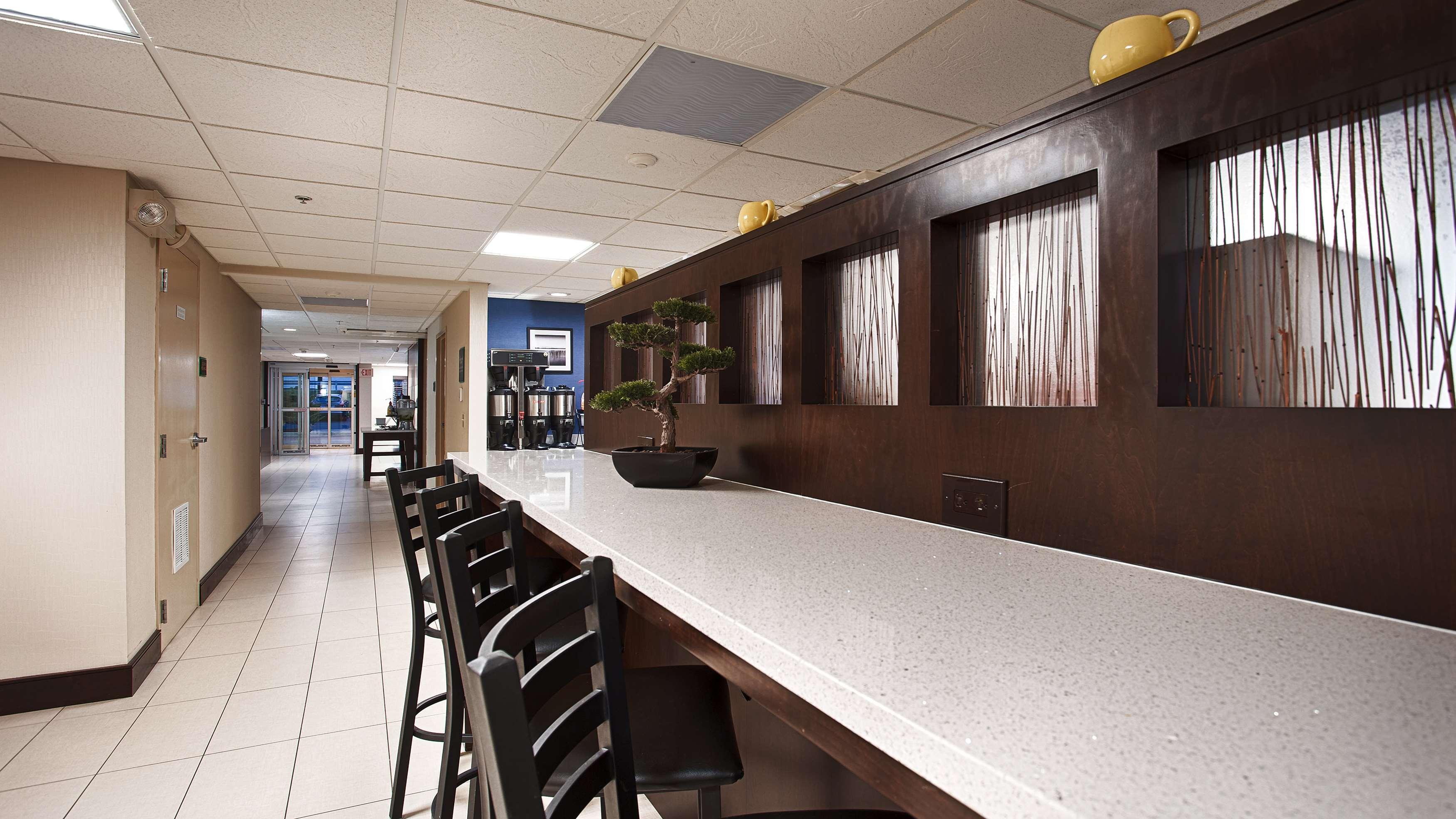 Best Western Plus Berkshire Hills Inn & Suites image 40