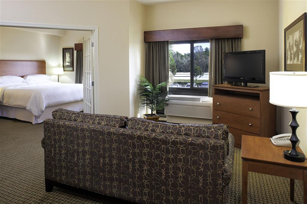 Four Points by Sheraton Fort Myers Airport image 4