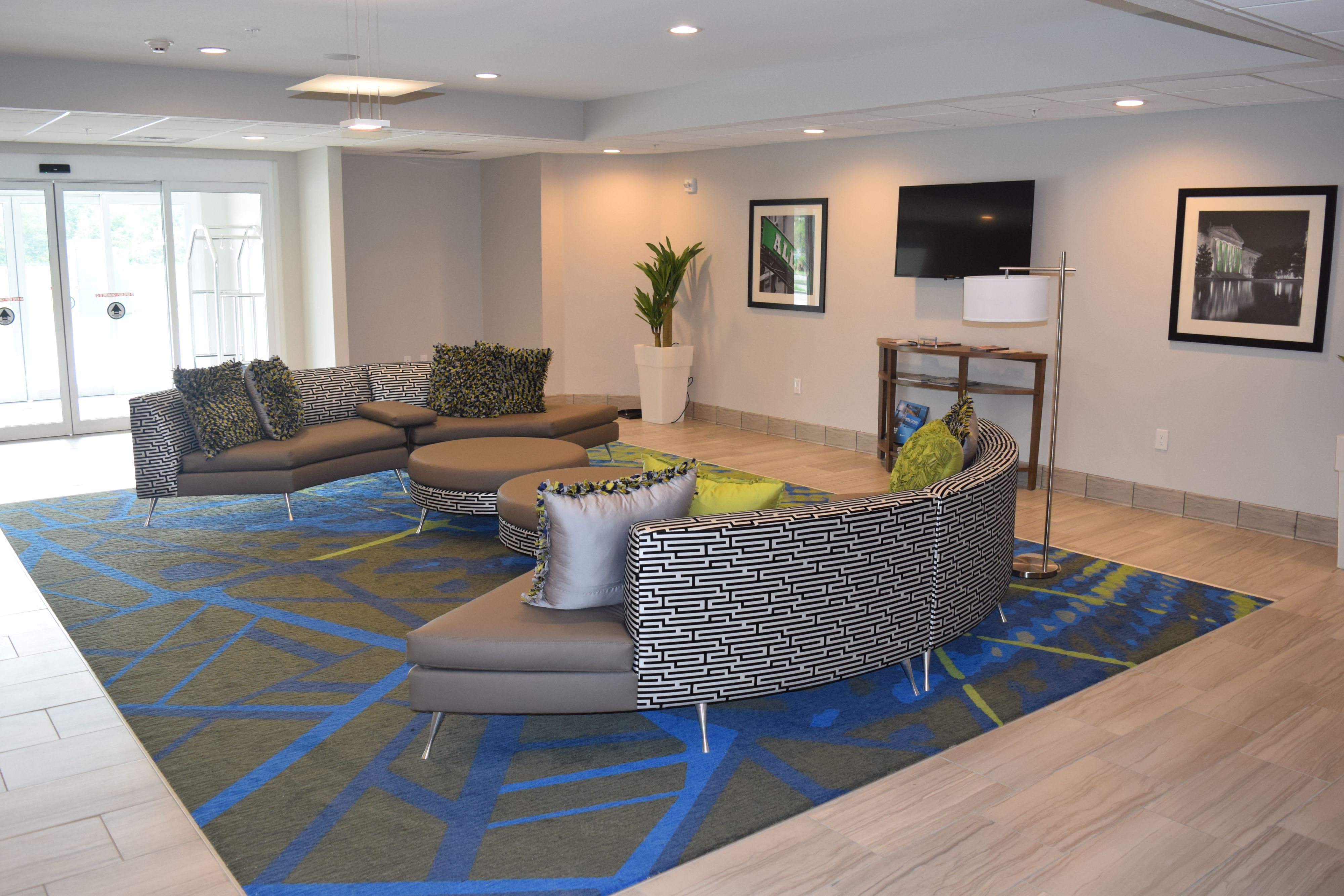 Candlewood Suites Nashville - Metro Center image 5