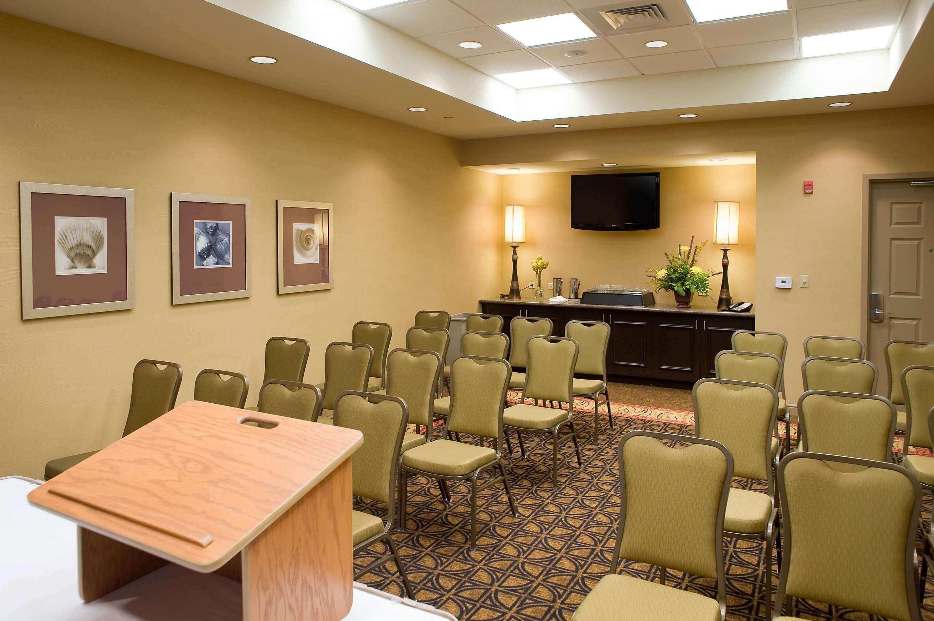 Hilton Garden Inn Pensacola Airport - Medical Center image 16