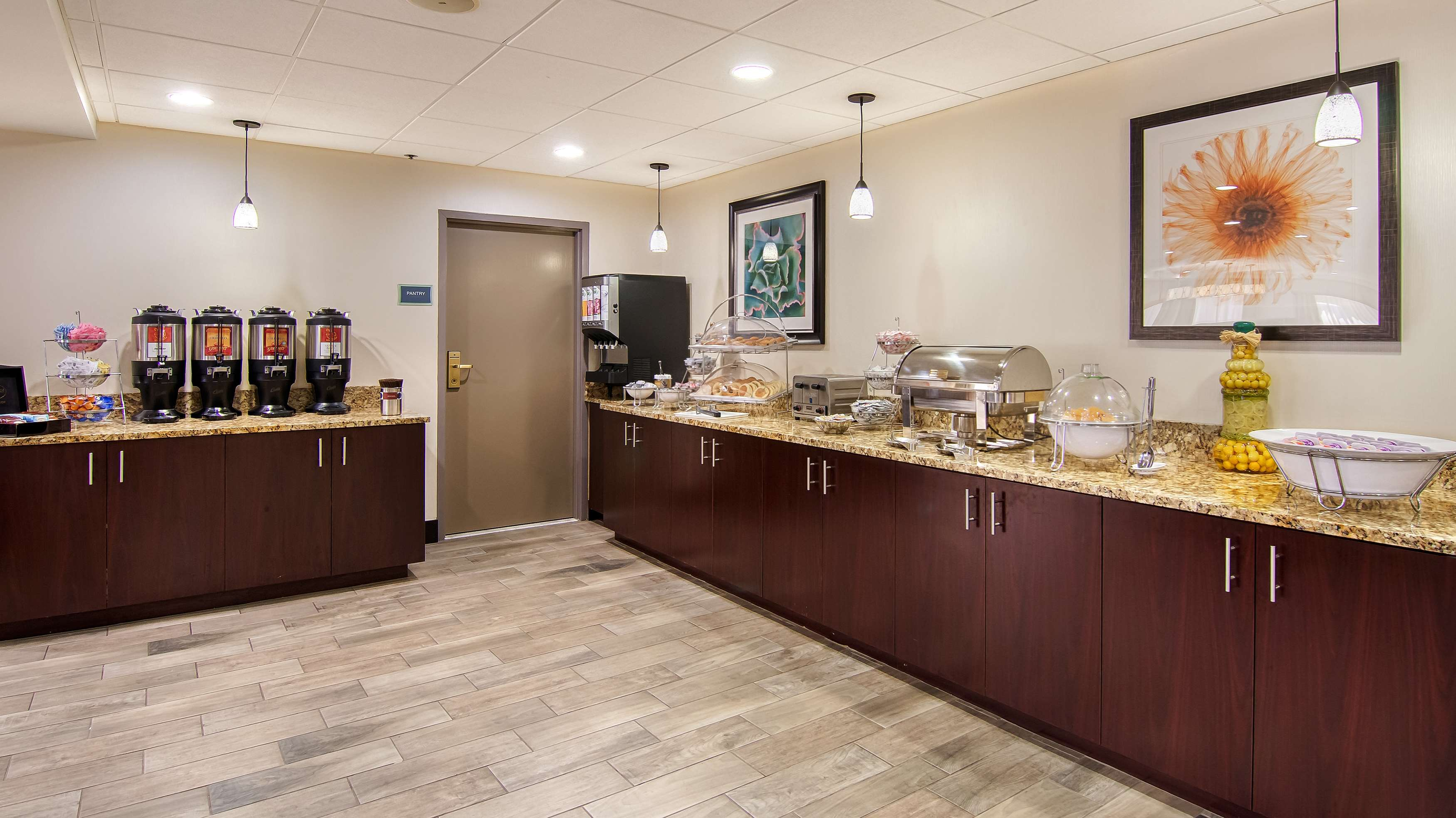 Best Western Plus Chicagoland - Countryside image 18