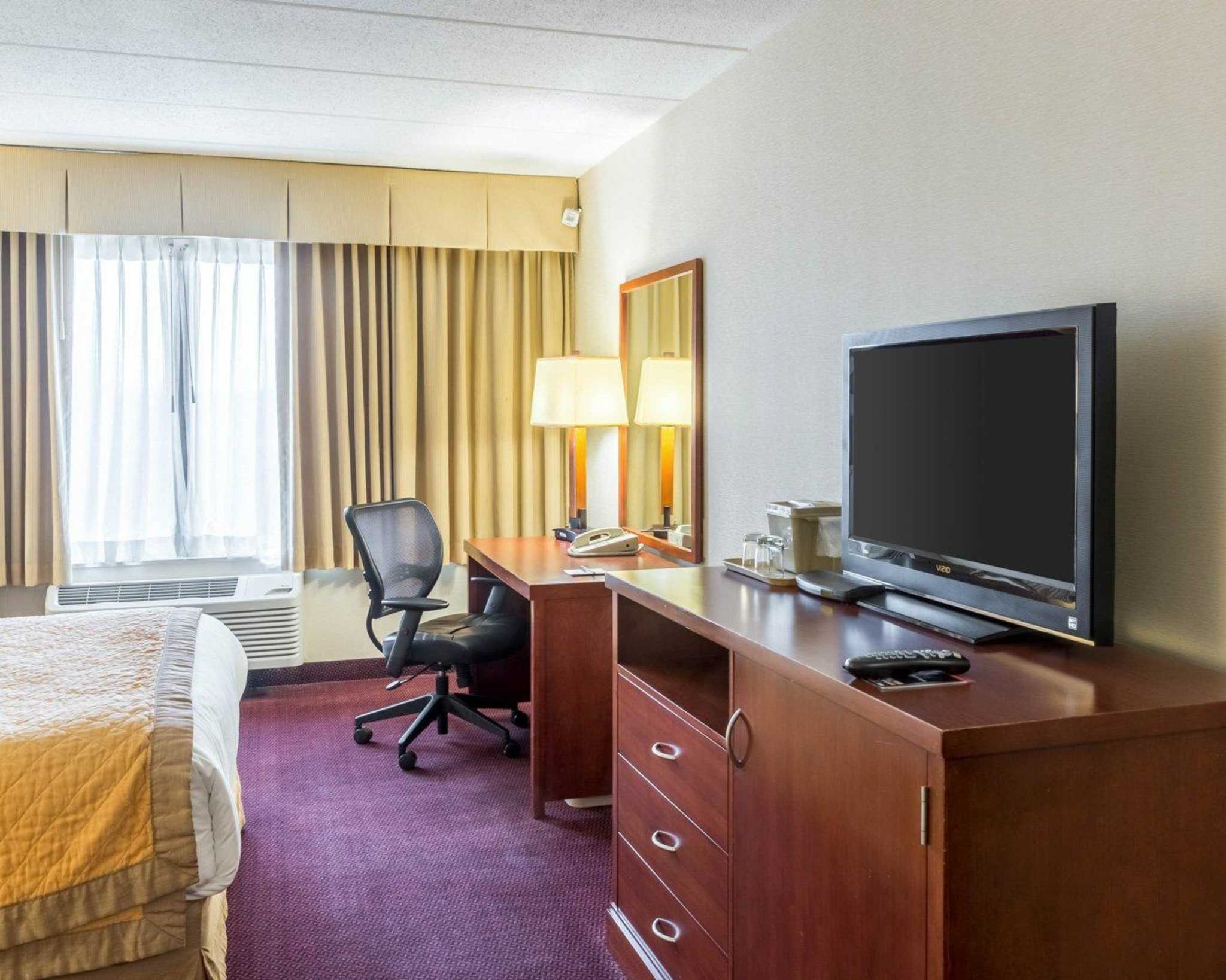 Clarion Hotel image 4