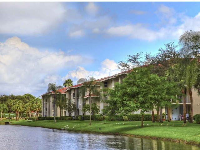 Midora at woodmont in tamarac fl 33321 citysearch for 6339 landings terrace tamarac fl