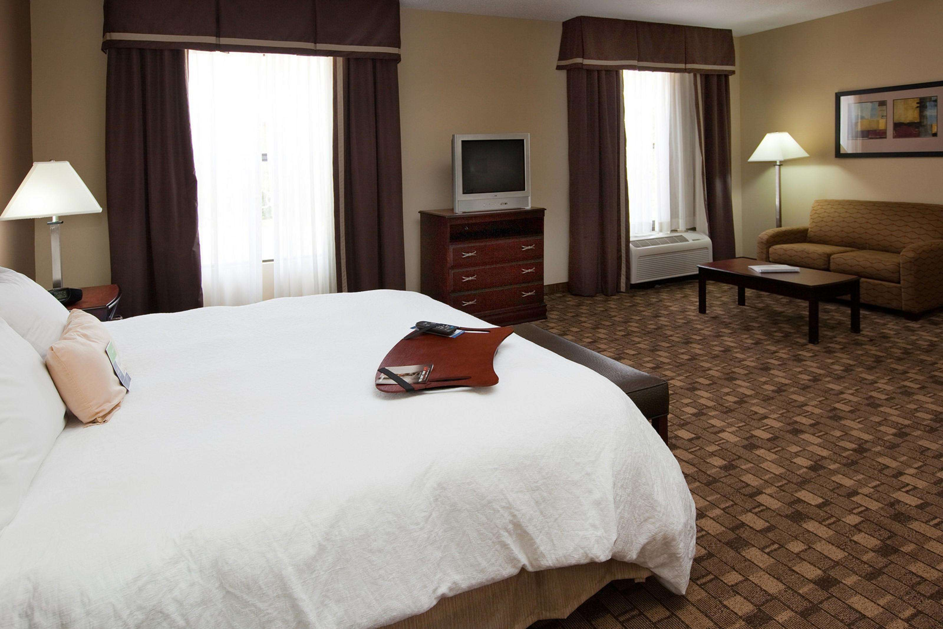 Hampton Inn & Suites Burlington image 27