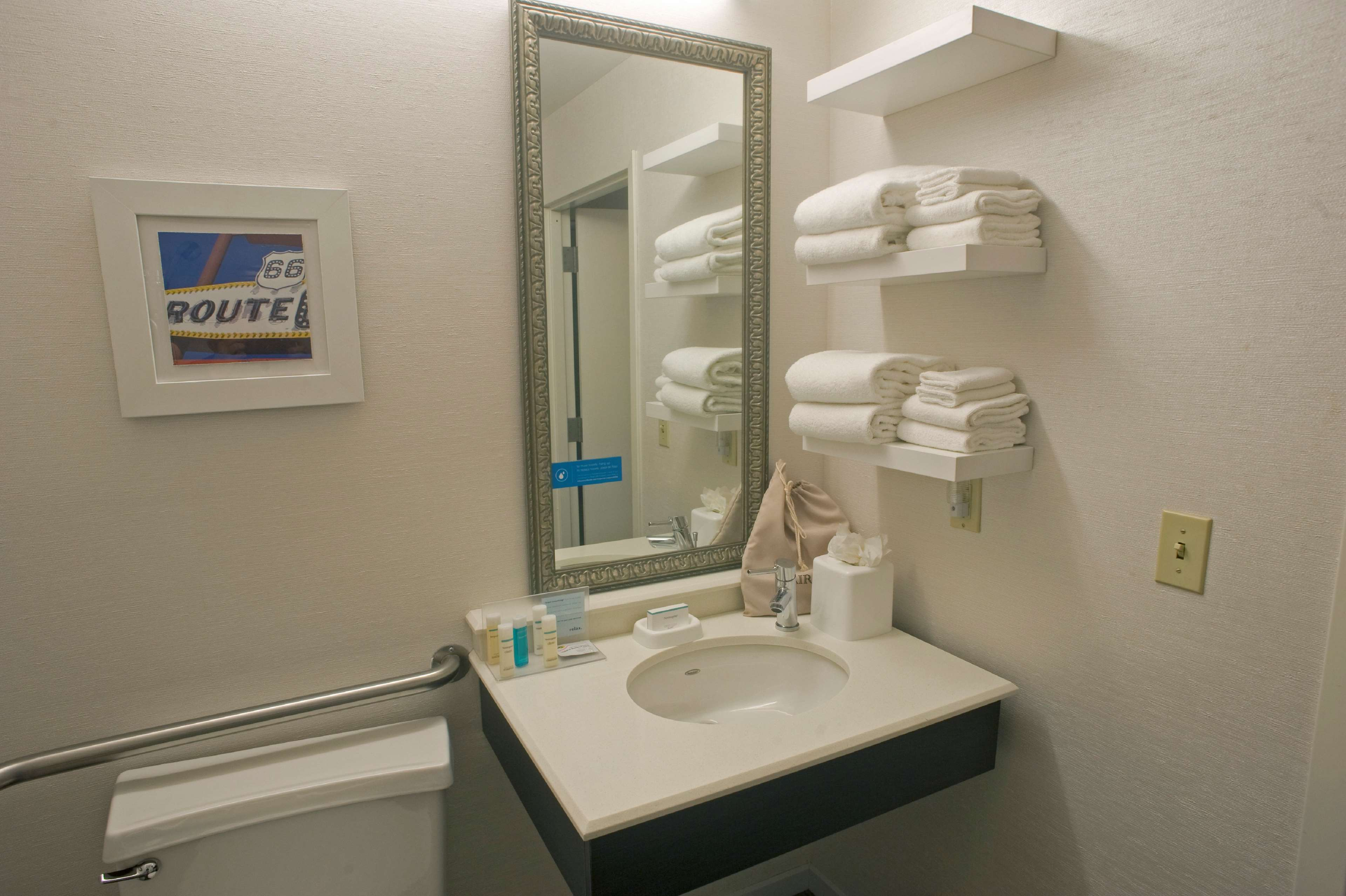 Hampton Inn Springfield-South image 23