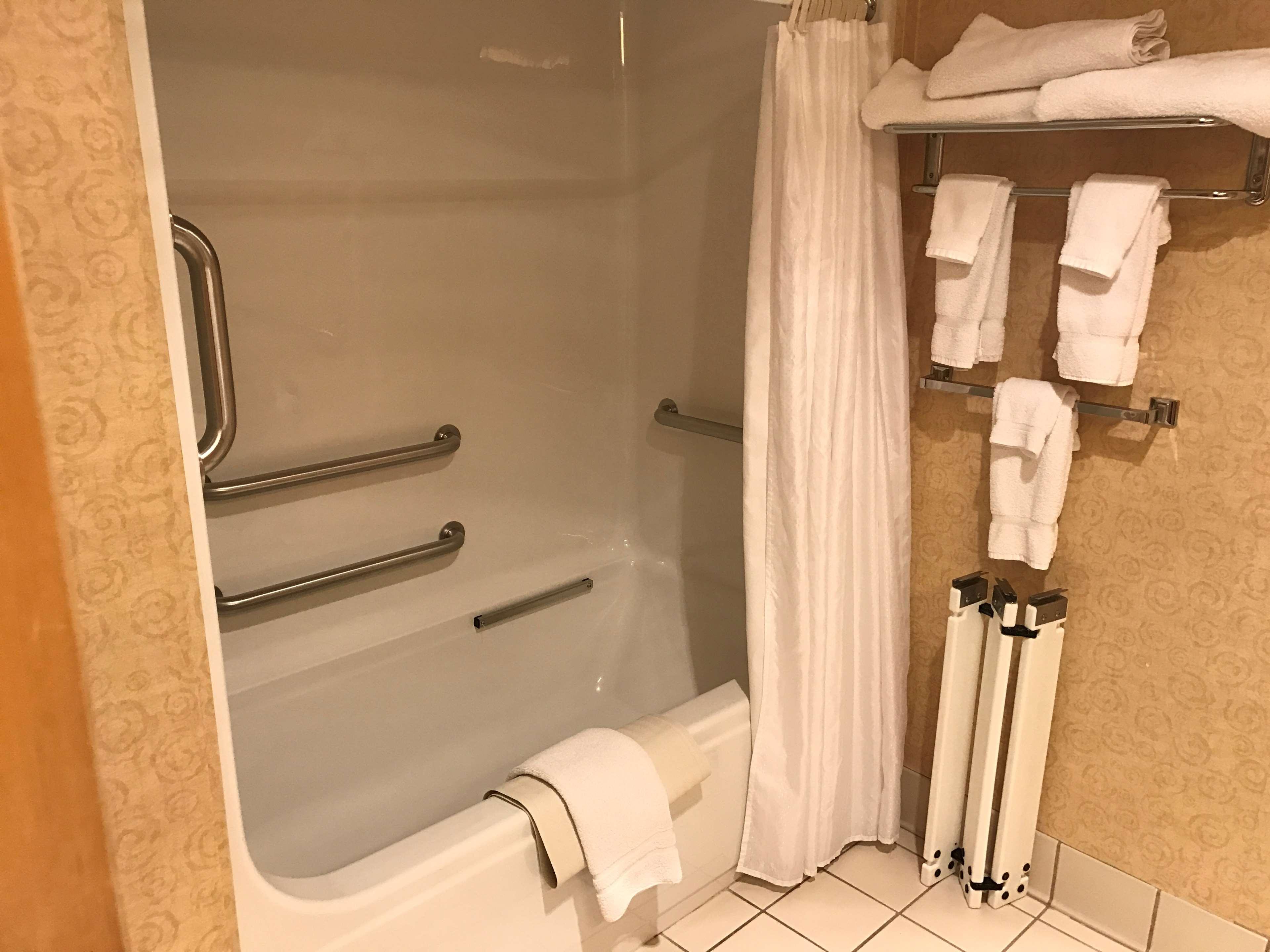 Best Western Plus Revere Inn & Suites image 21