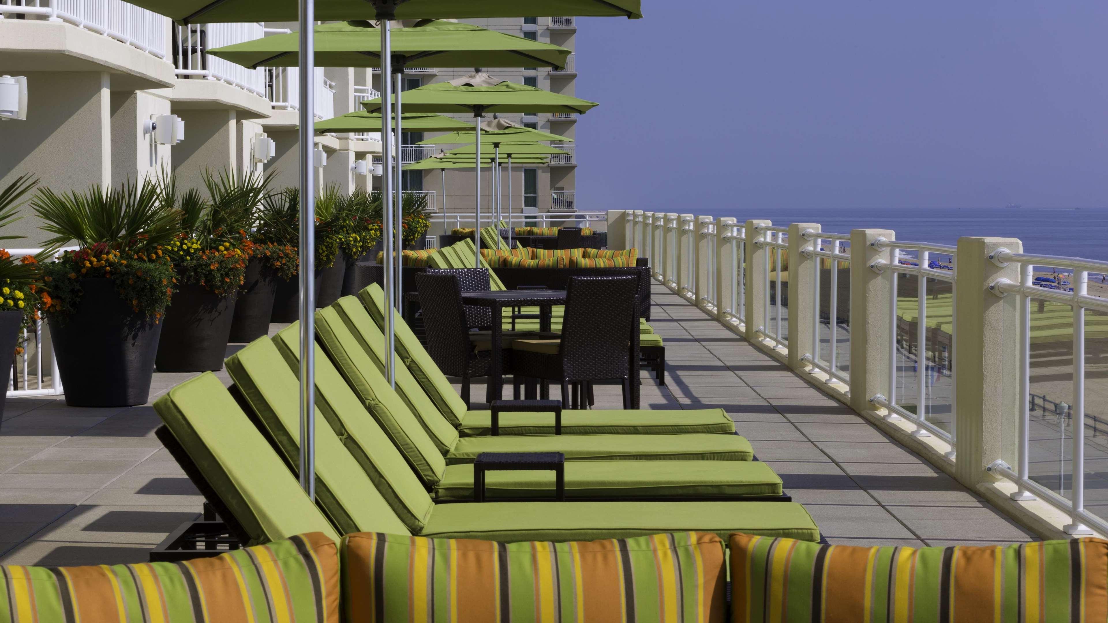 Hilton Garden Inn Virginia Beach Oceanfront image 8