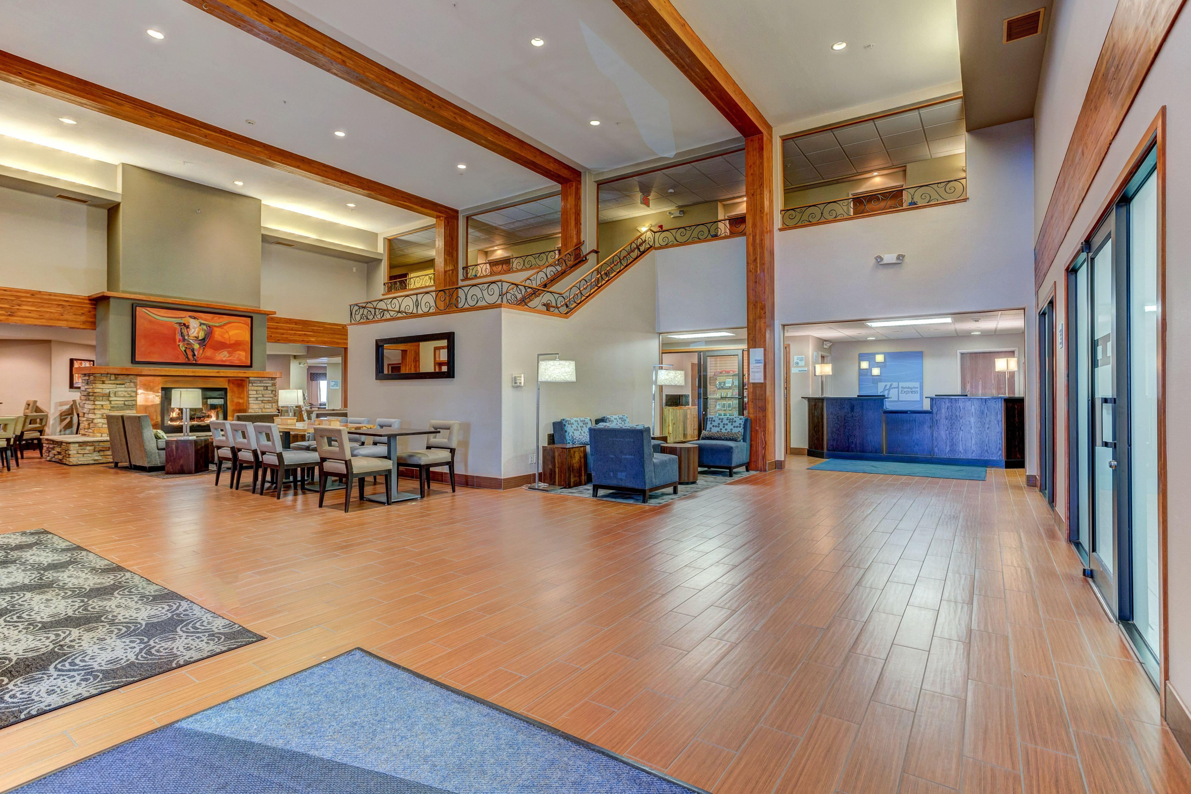 Holiday Inn Express & Suites Montrose image 3