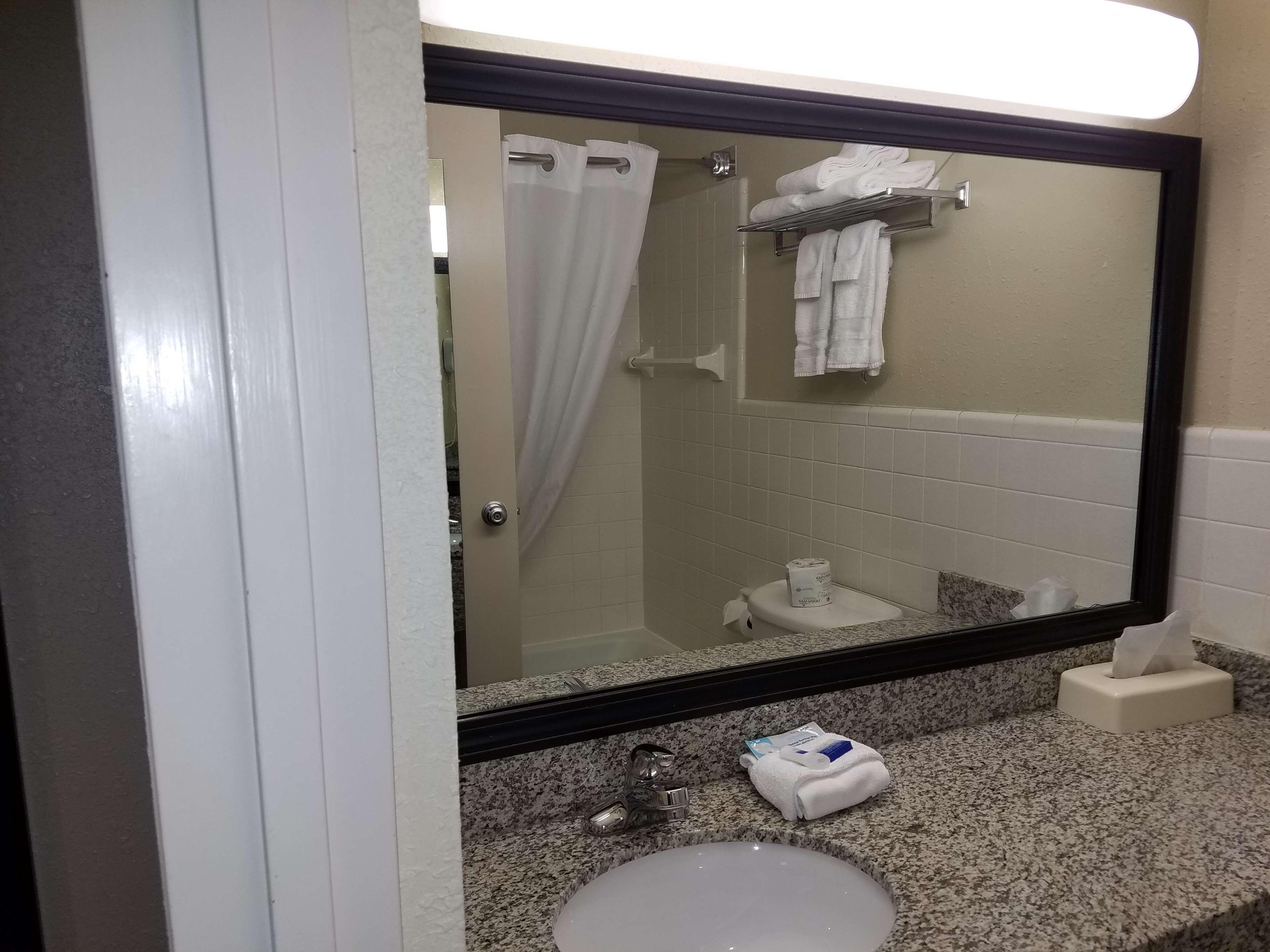 Best Western Valley Plaza Inn image 22