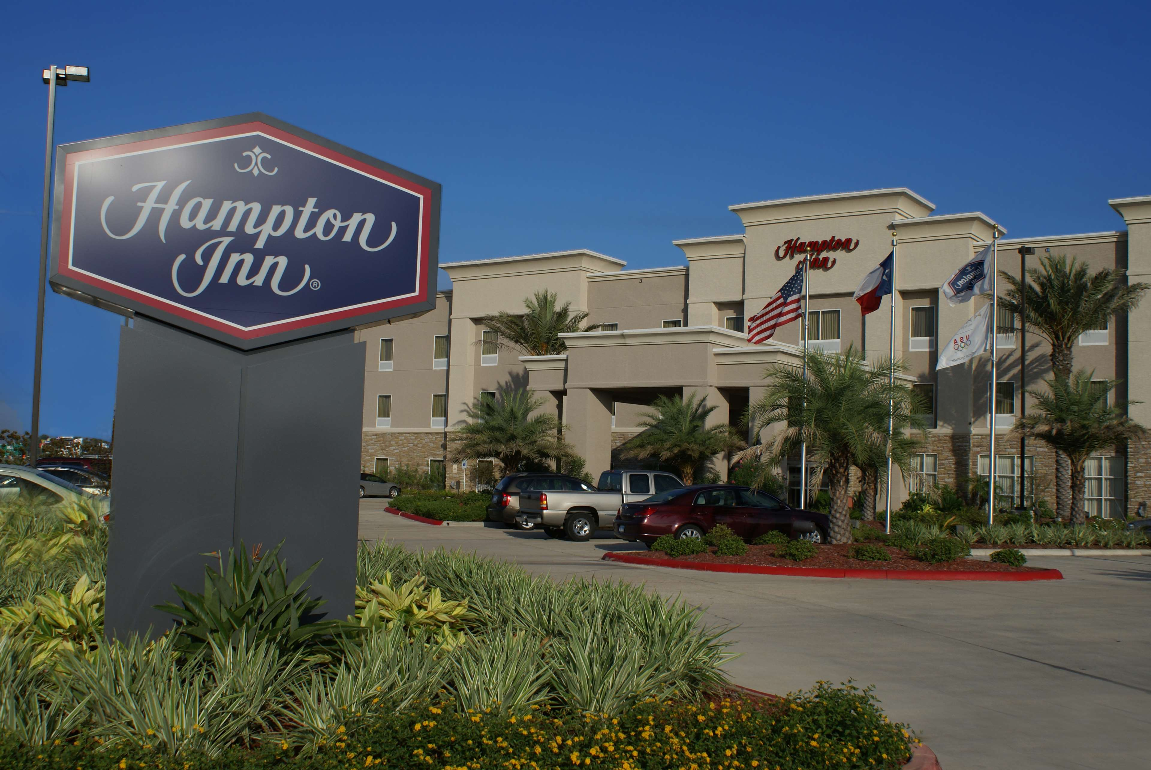 Hampton Inn Orange image 4
