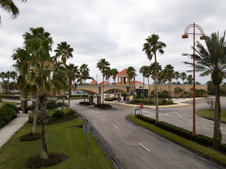 cfcf6dd1 Vero Beach Outlets 1824 94th Dr Vero Beach, FL Factory Outlets ...