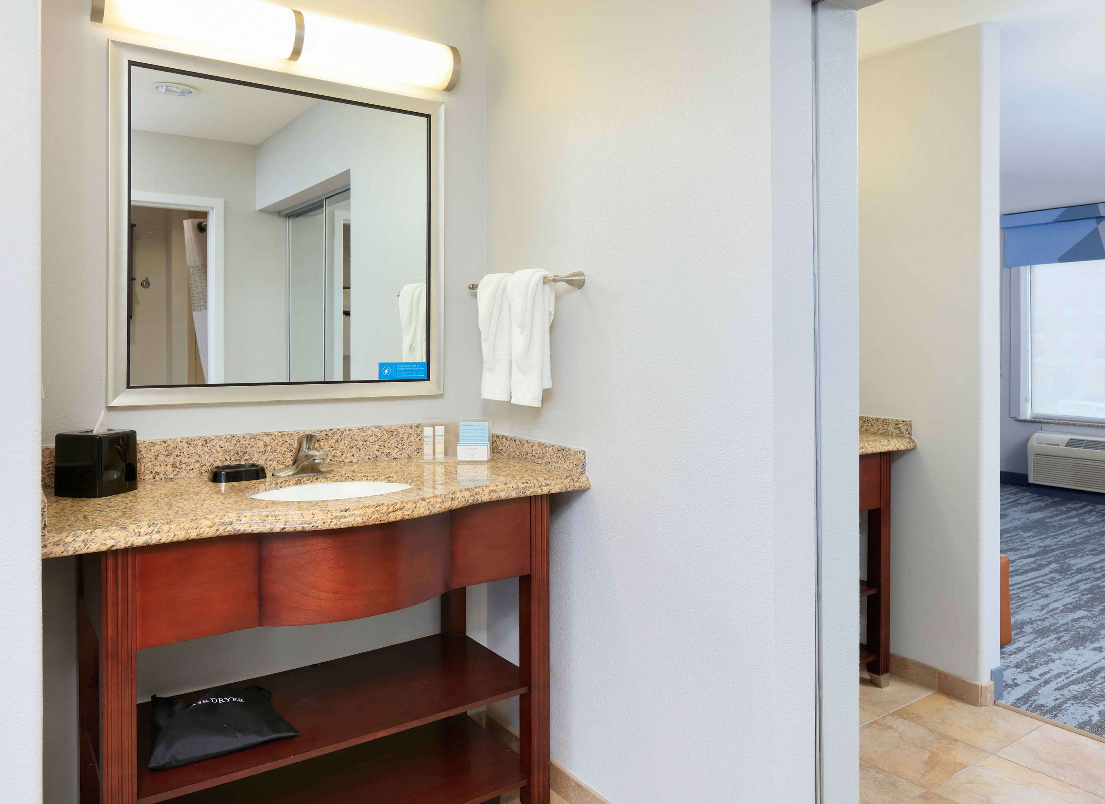 Hampton Inn & Suites Dallas-Arlington-South image 31