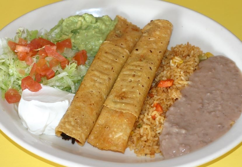 Chakas Mexican Restaurant image 2