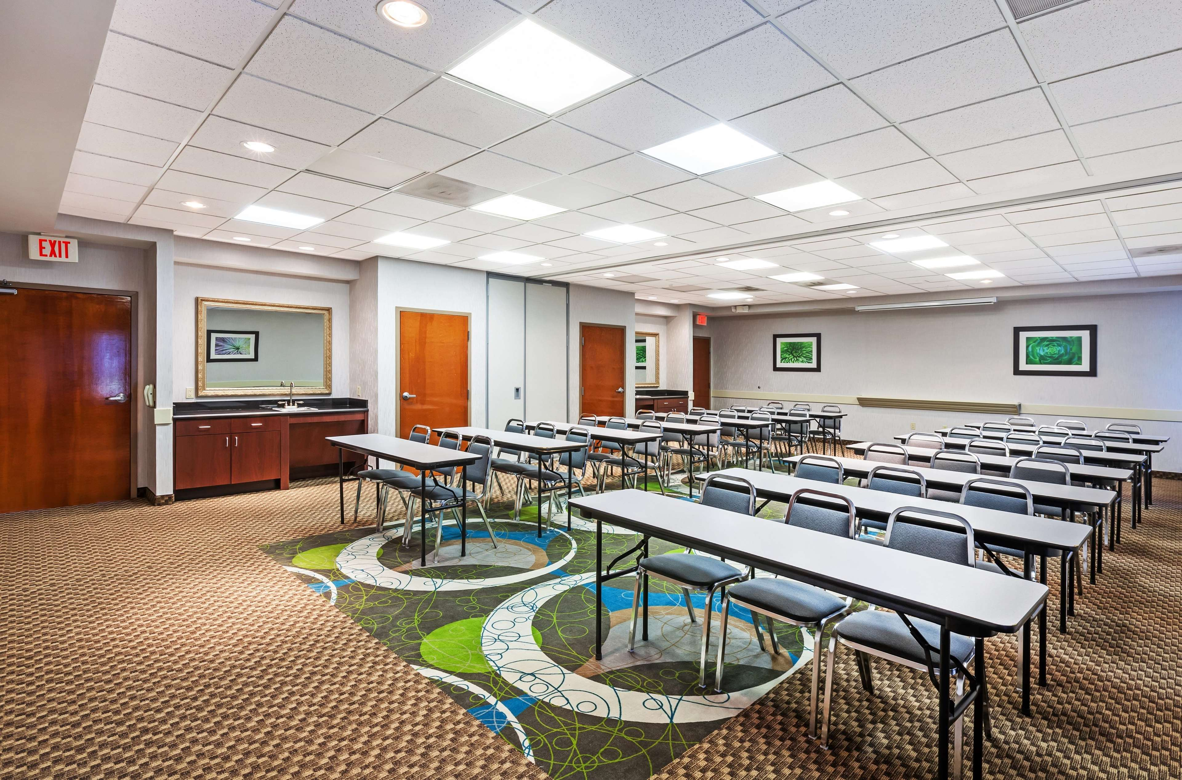 Hampton Inn & Suites Houston-Westchase image 32