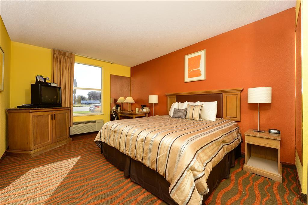 Americas Best Value Inn Winter Haven image 4