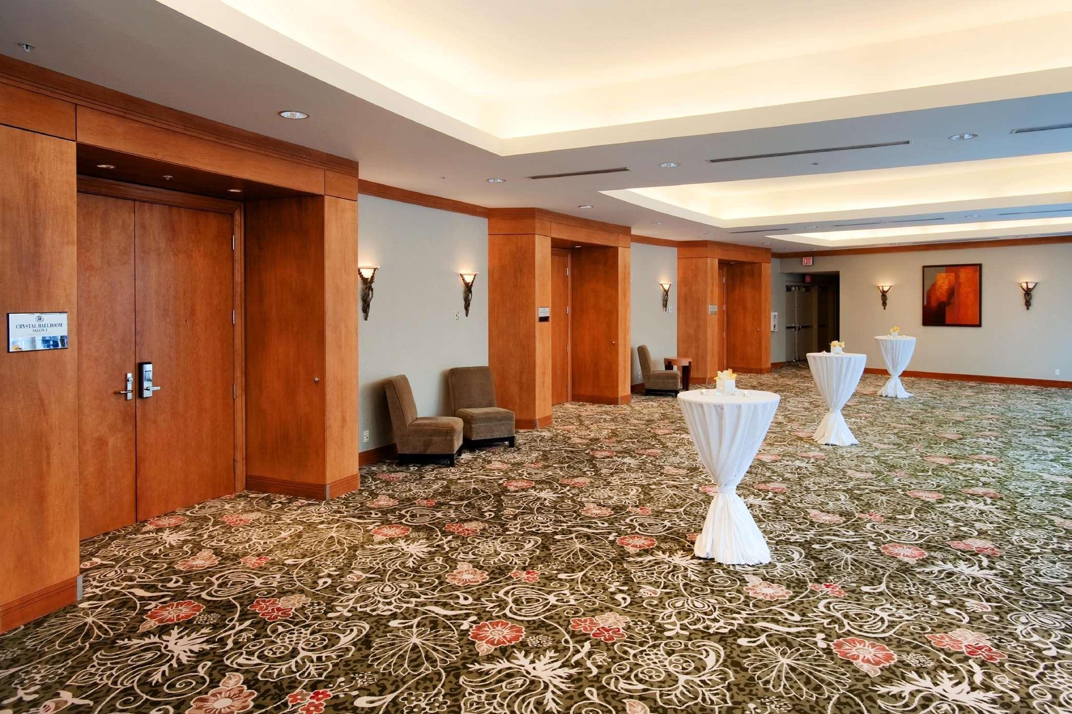 Hilton Vancouver Metrotown in Burnaby: Crystal Ballroom Foyer