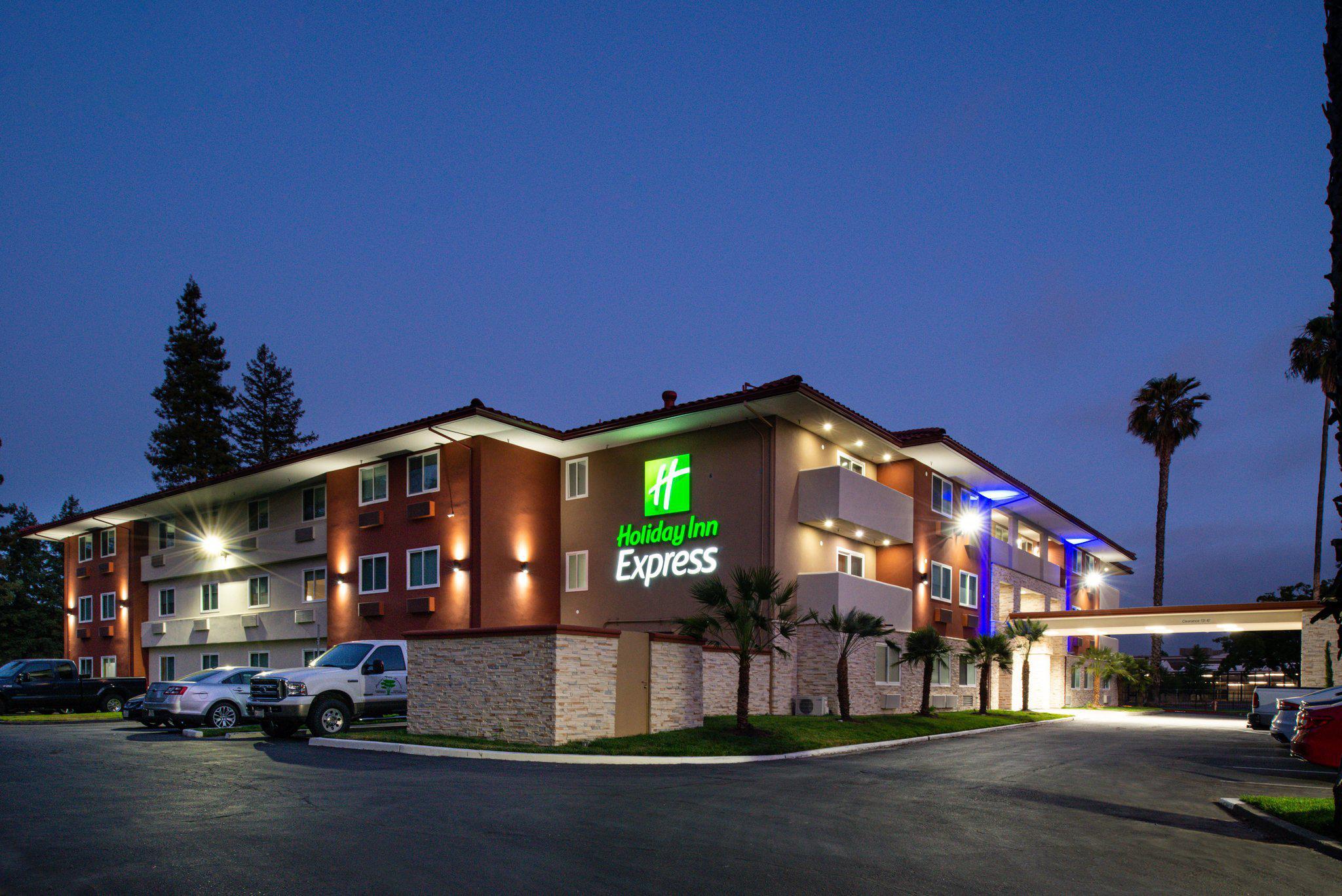 Holiday Inn Express Santa Rosa North, an IHG Hotel