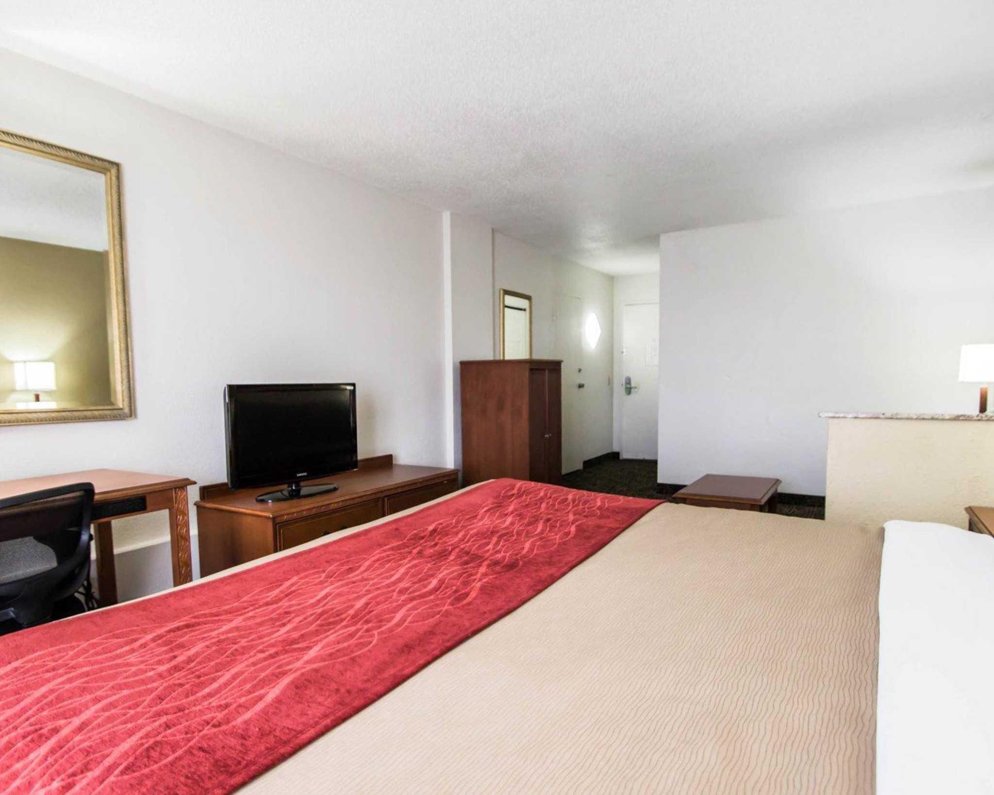 Quality Inn & Suites Winter Park Village Area image 27