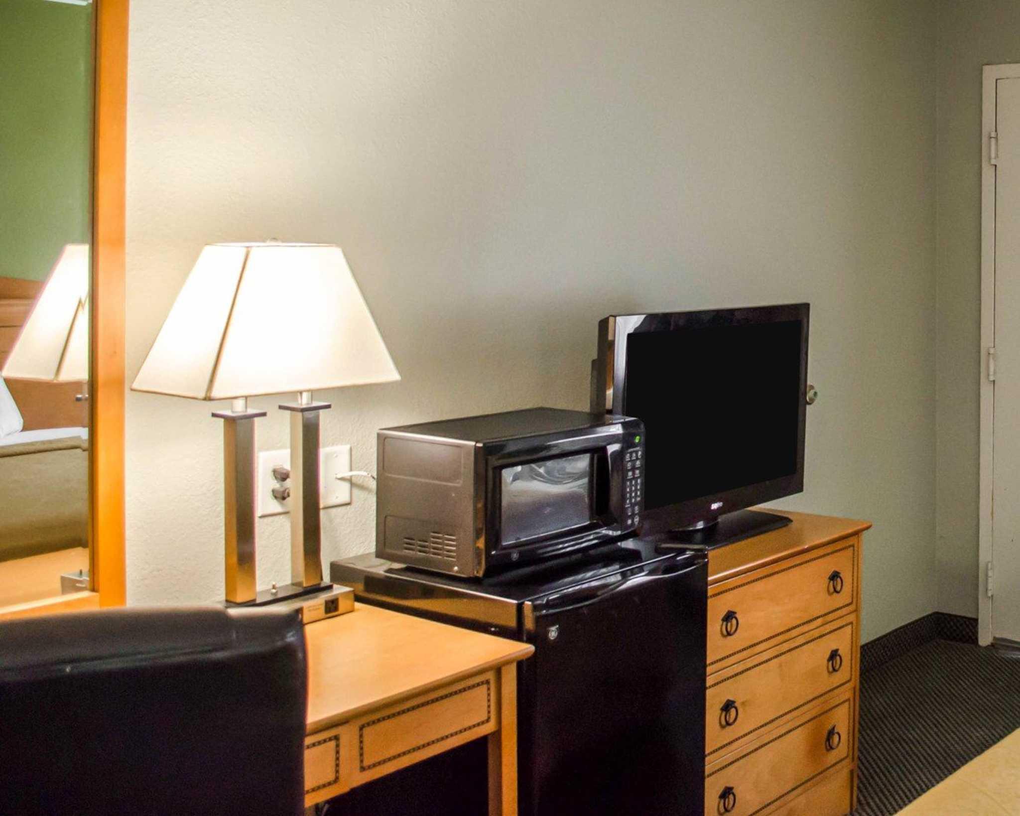 Quality Inn N.A.S.-Corry image 12