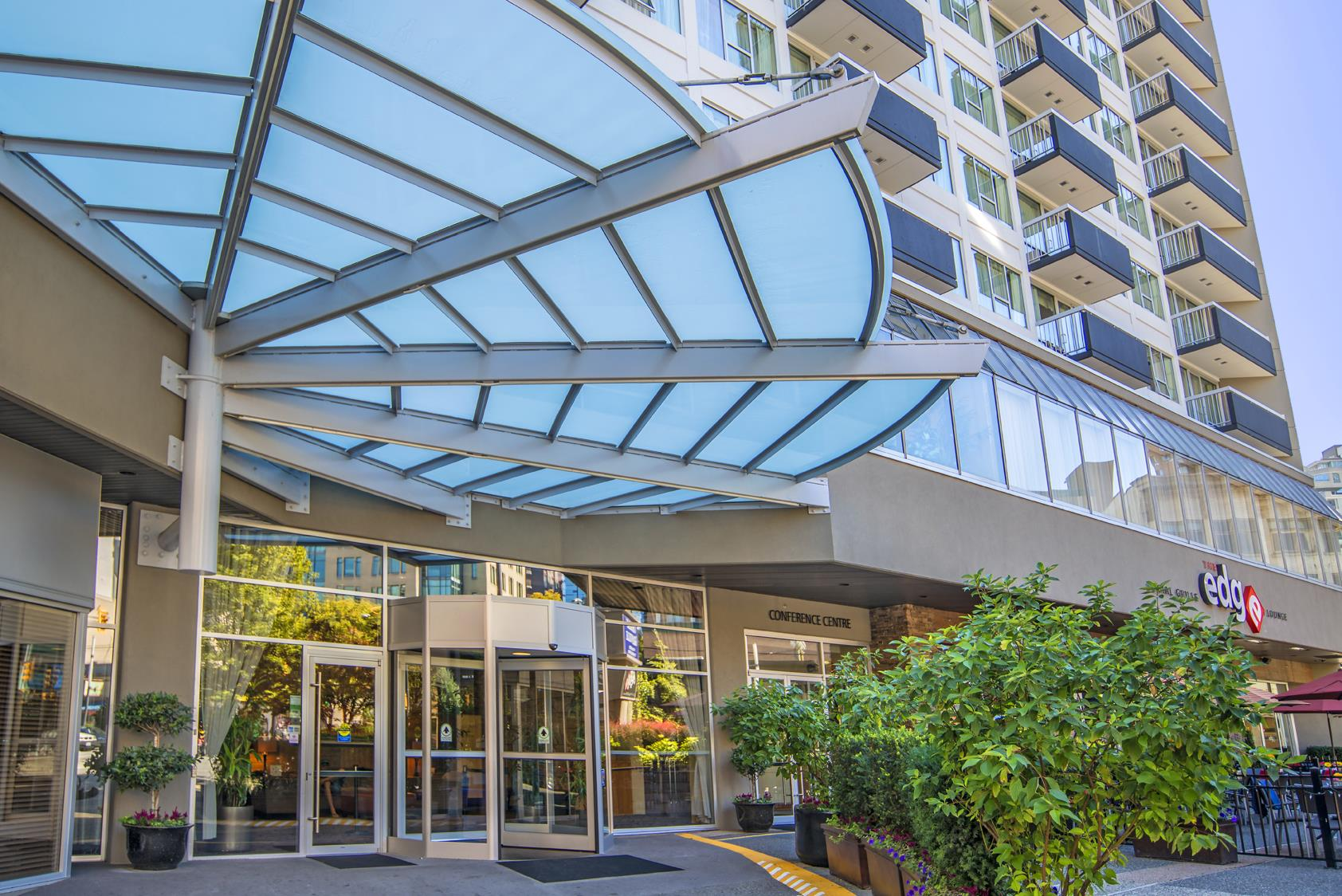 Best Western Plus Chateau Granville Hotel & Suites & Conference Ctr. in Vancouver: Hotel Entrance
