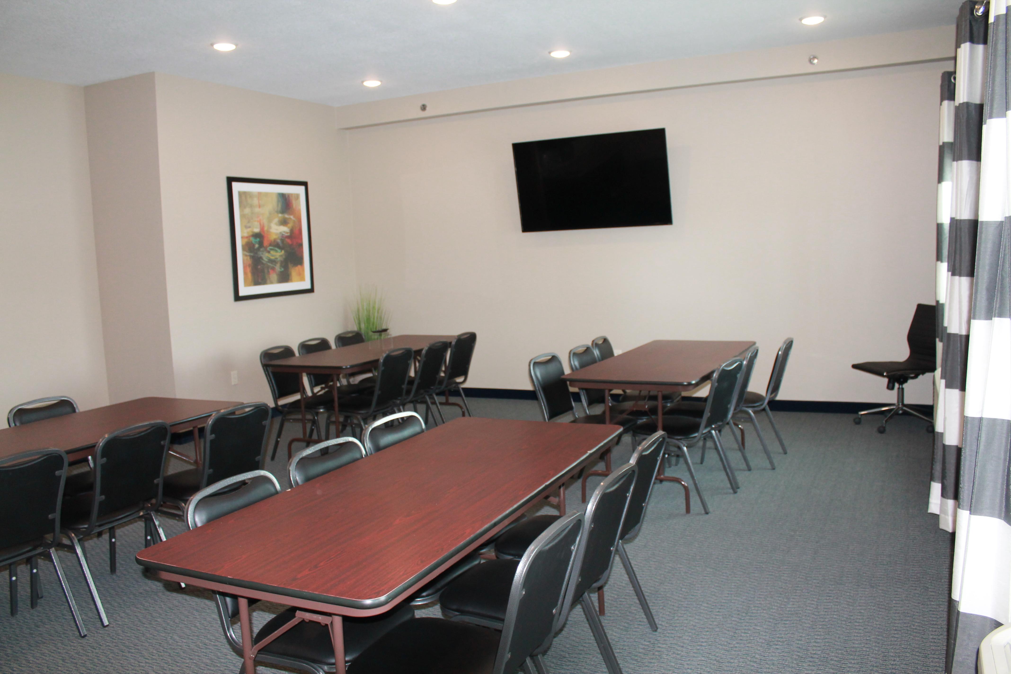 Brookstone Lodge & Suites image 4