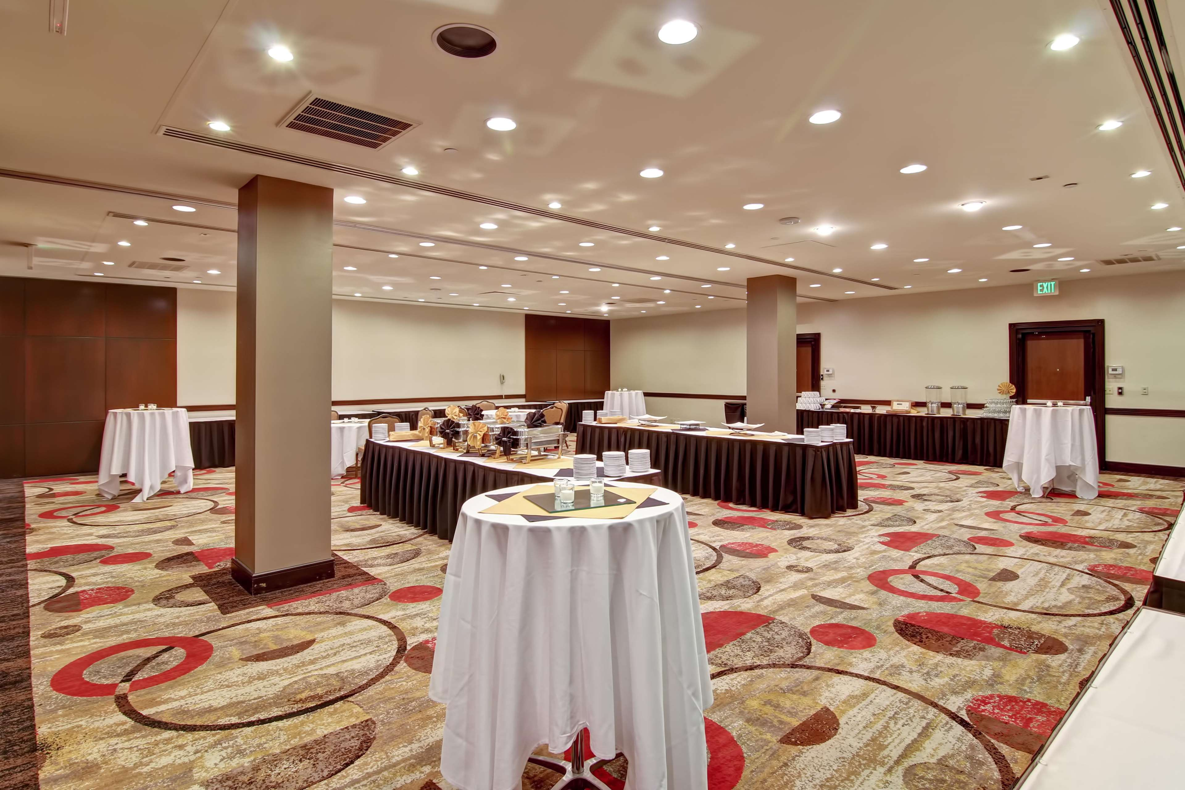 DoubleTree by Hilton Hotel Pleasanton at the Club image 49