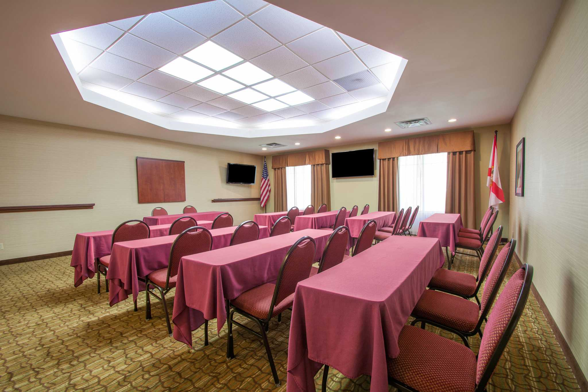 Comfort Suites Near Universal Orlando Resort image 29