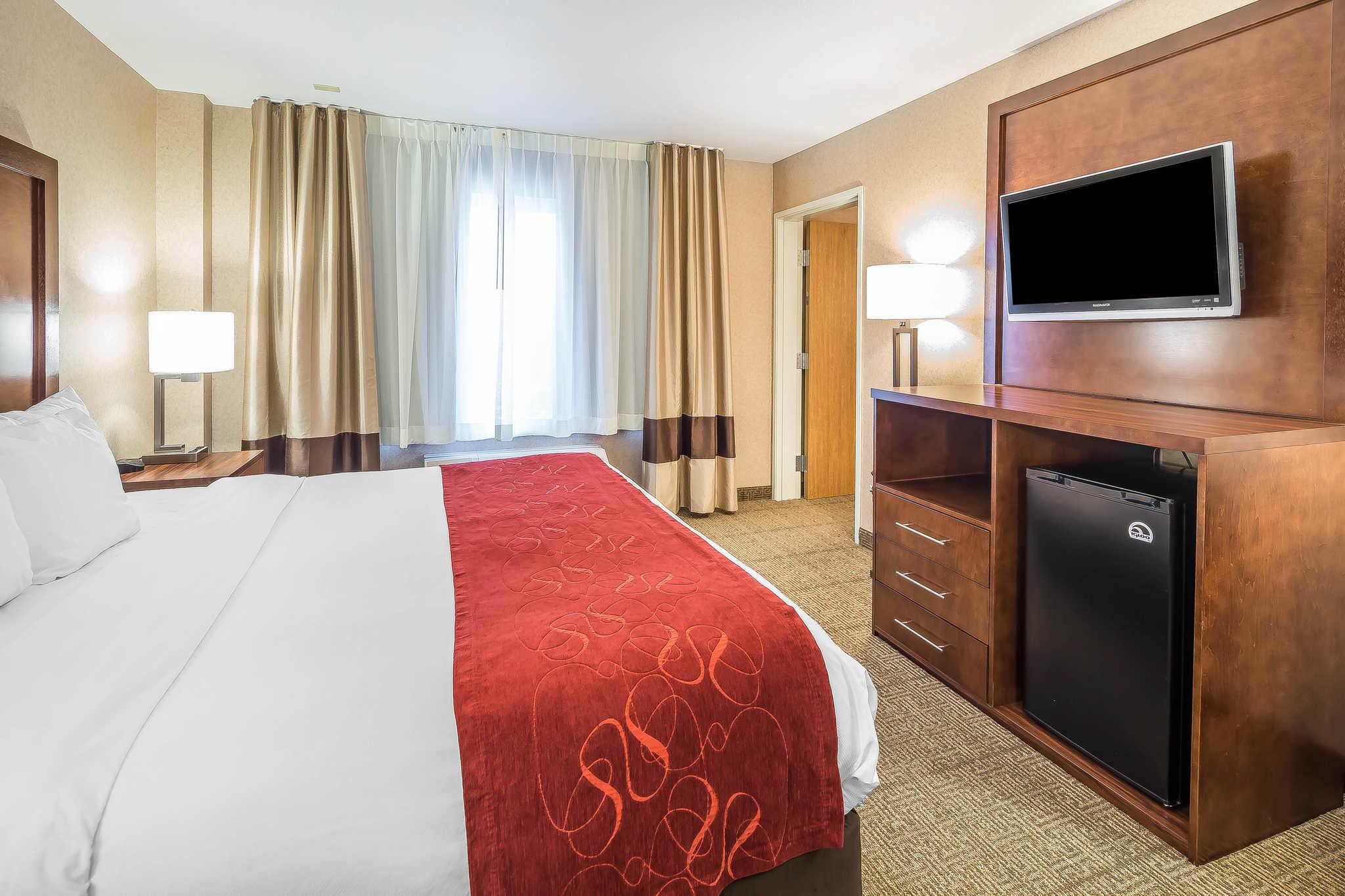 Comfort Suites Anchorage International Airport image 4
