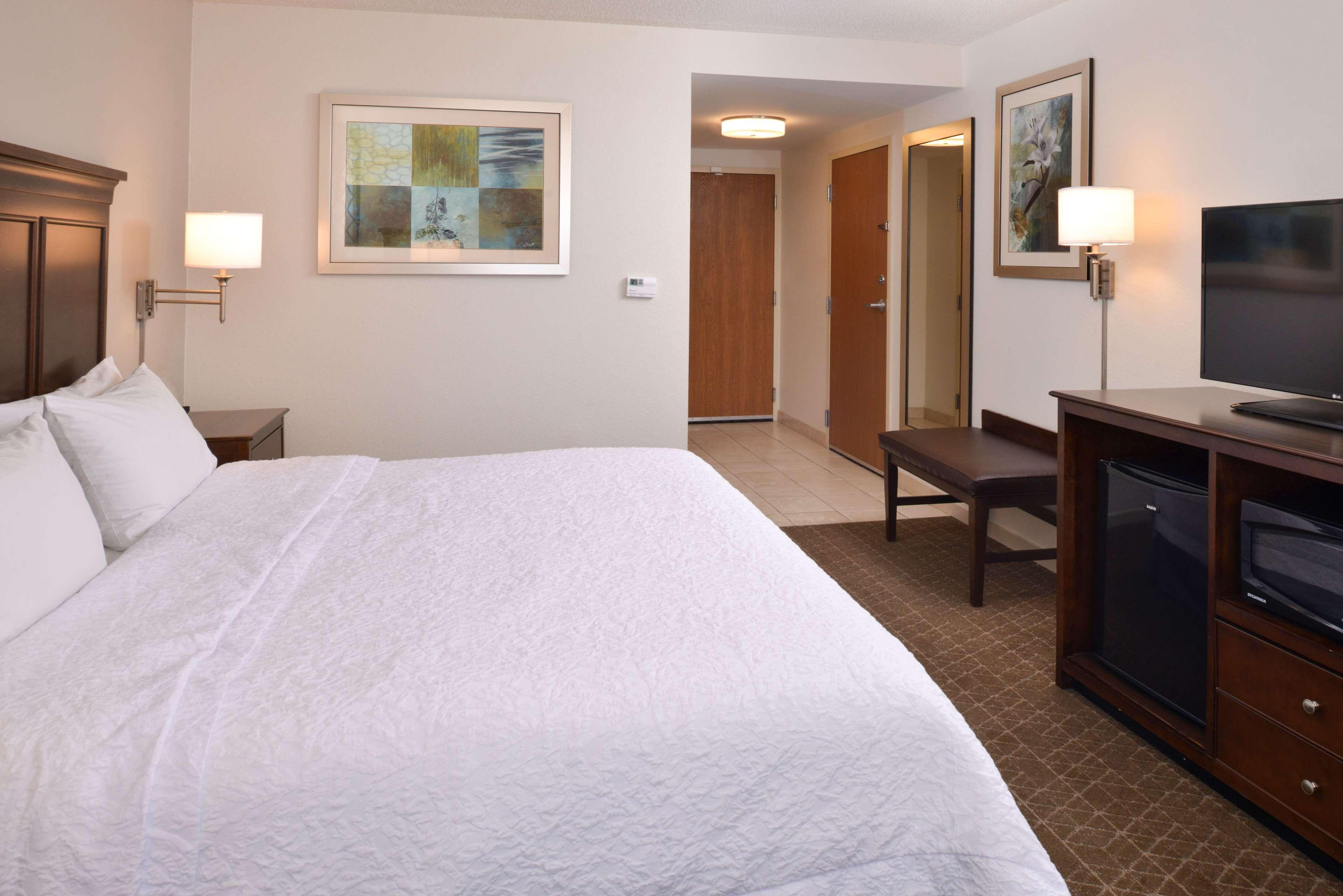 Hampton Inn & Suites Pueblo-Southgate image 24