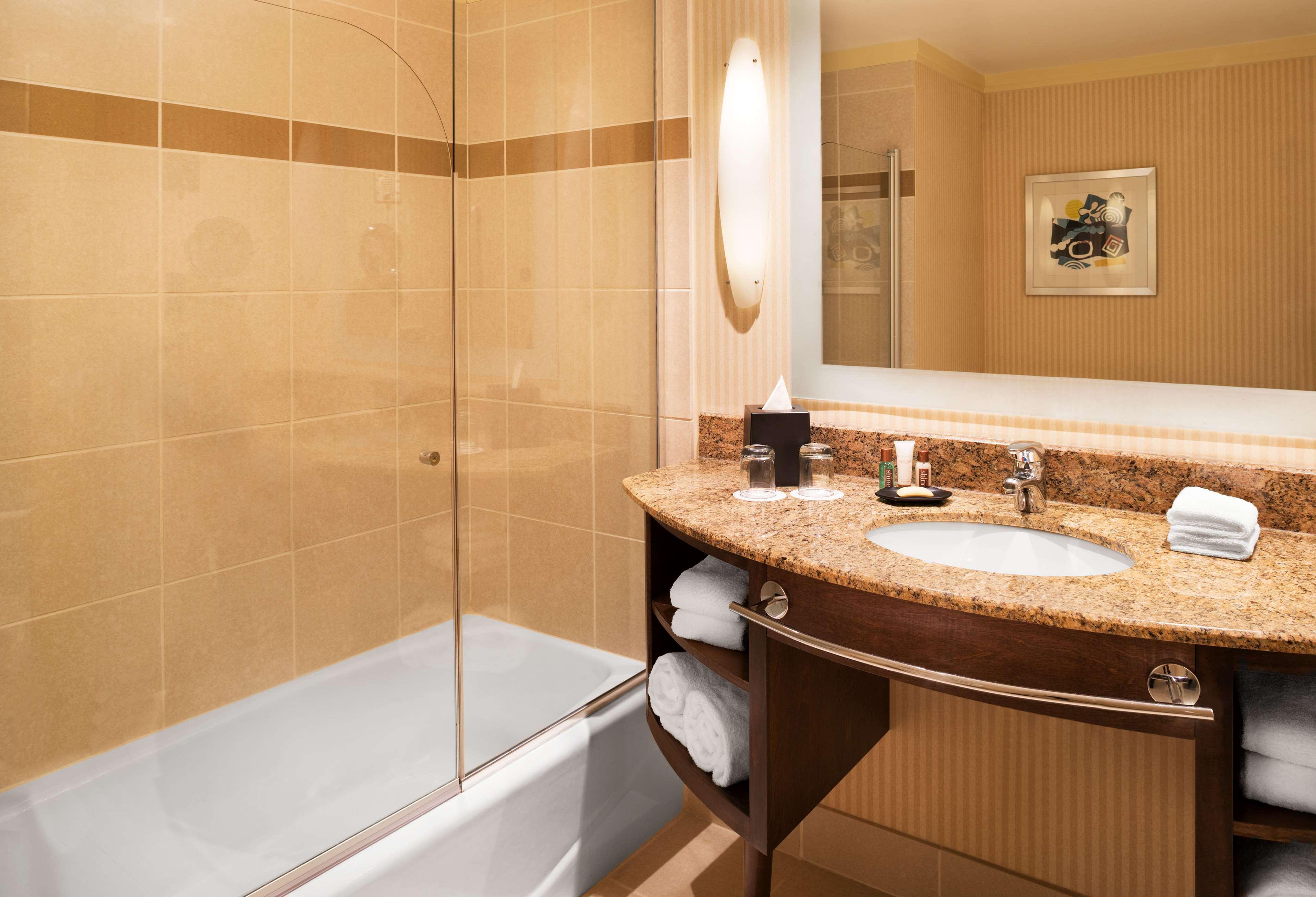 Sheraton Bloomington Hotel image 11