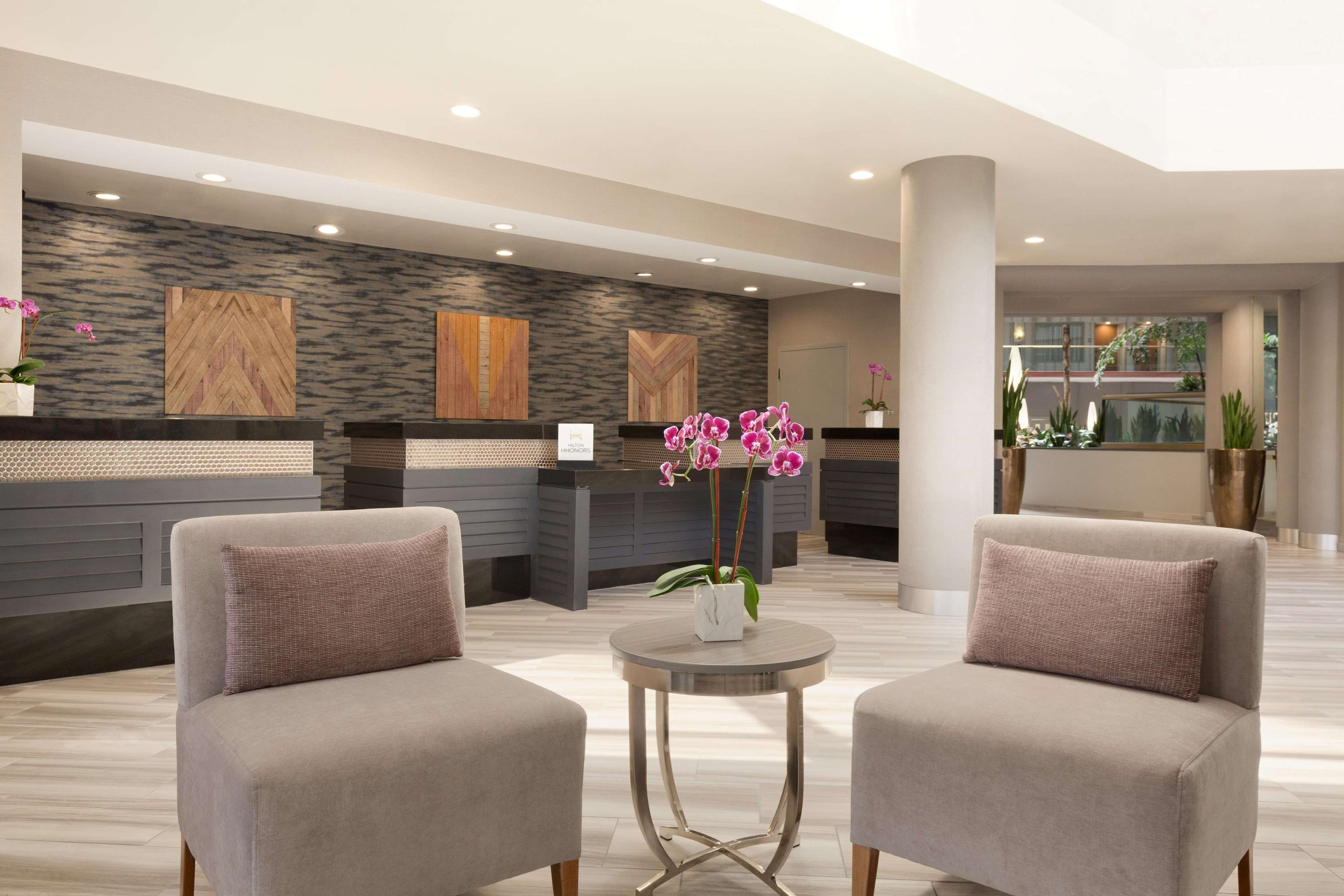 Embassy Suites Hotel Irvine Lobby