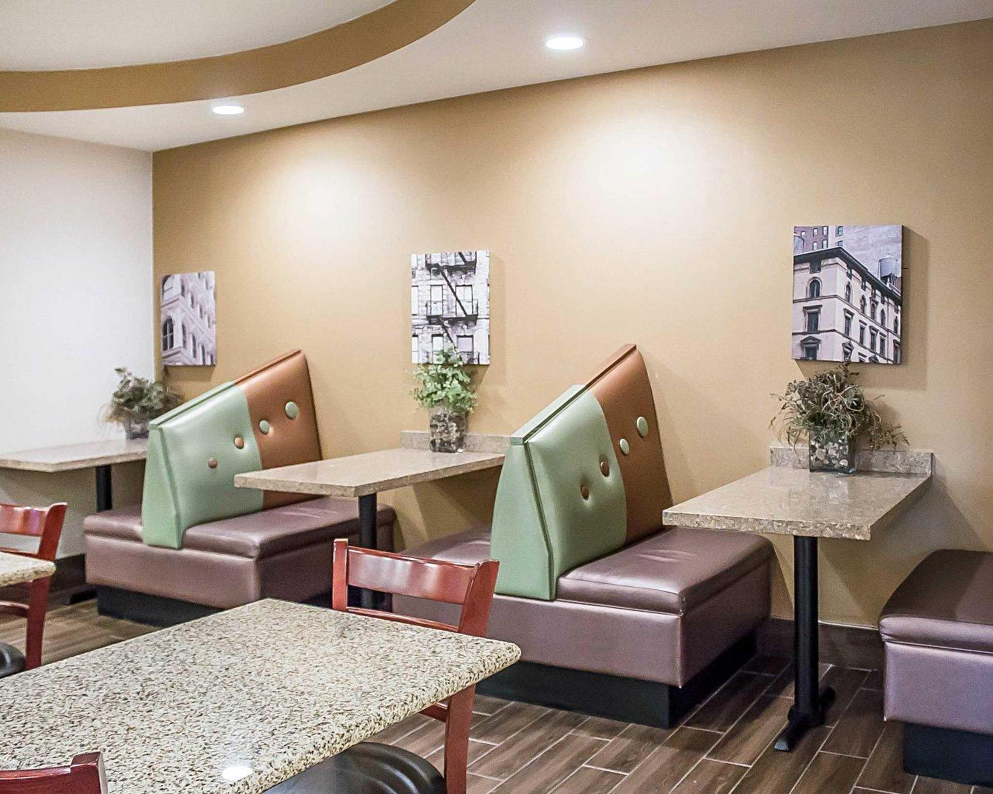 Comfort Suites Perrysburg - Toledo South image 15