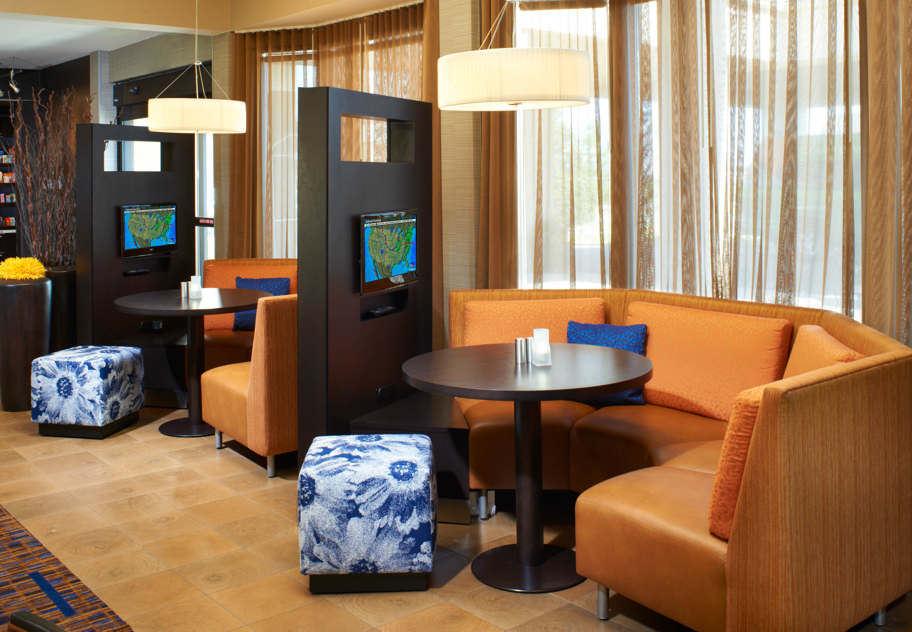 Courtyard by Marriott Rockford image 17