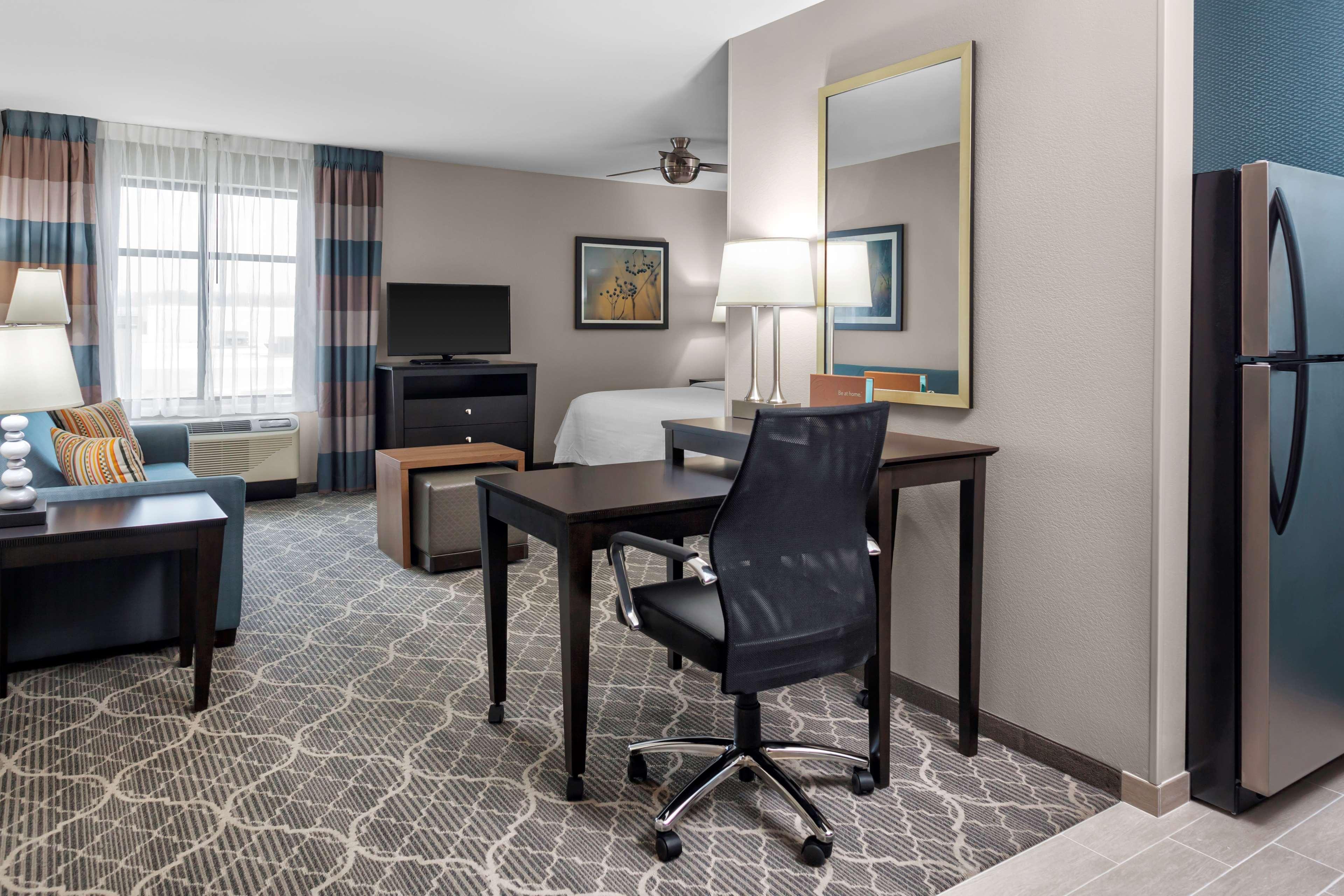 Homewood Suites by Hilton Wauwatosa Milwaukee image 23
