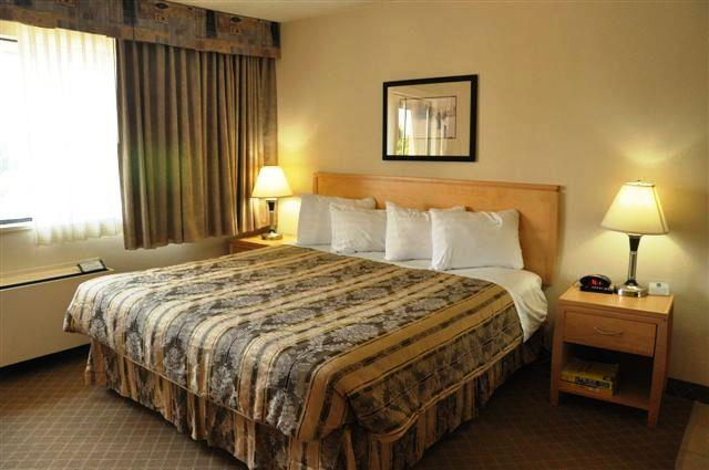 Best Western Chelsea Inn in Coquitlam: King Bed Guest Room with Sofa Bed