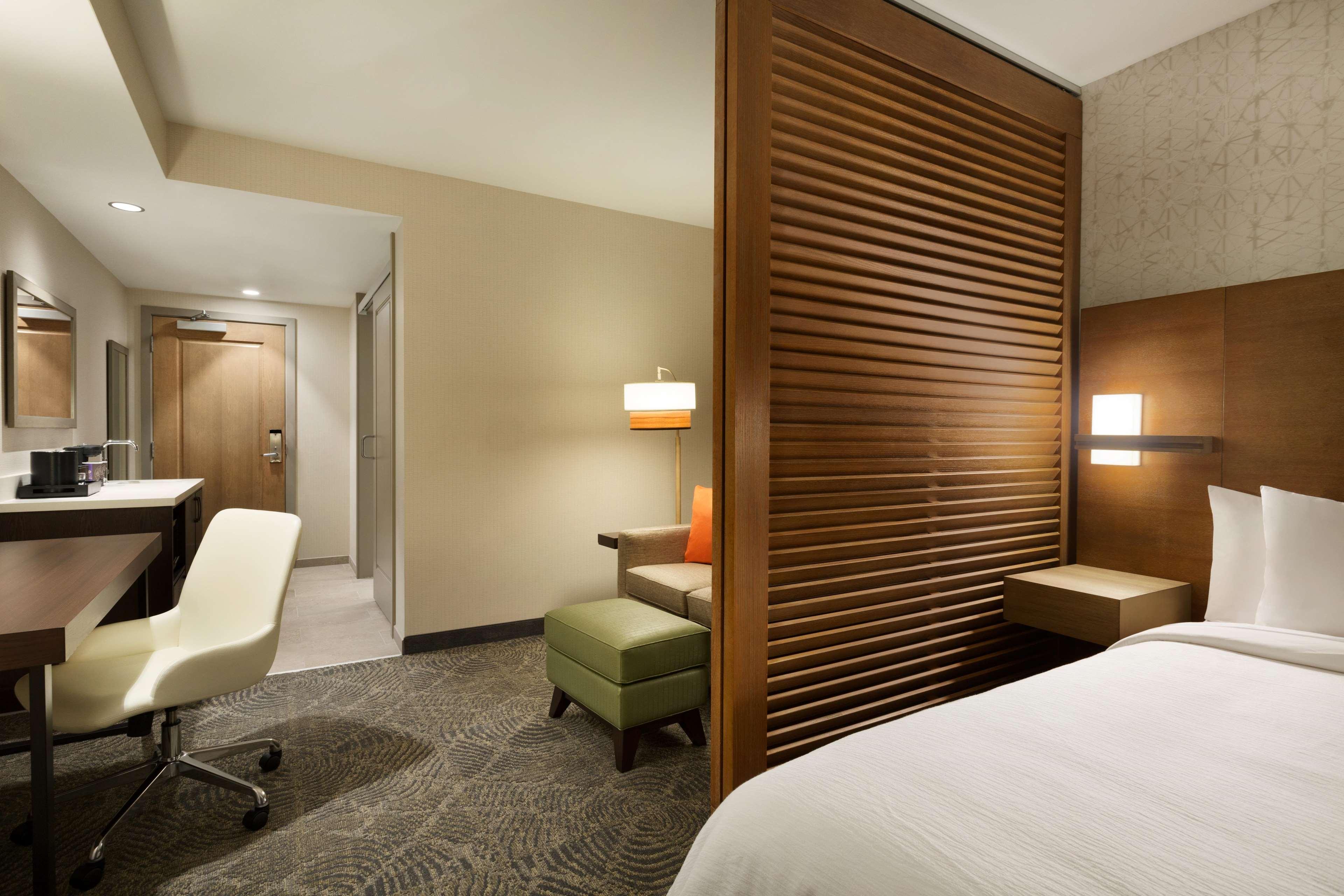 Embassy Suites by Hilton Oahu Kapolei image 23