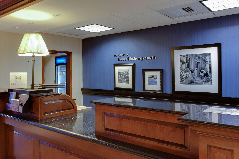 Hampton Inn & Suites Fredericksburg South image 4