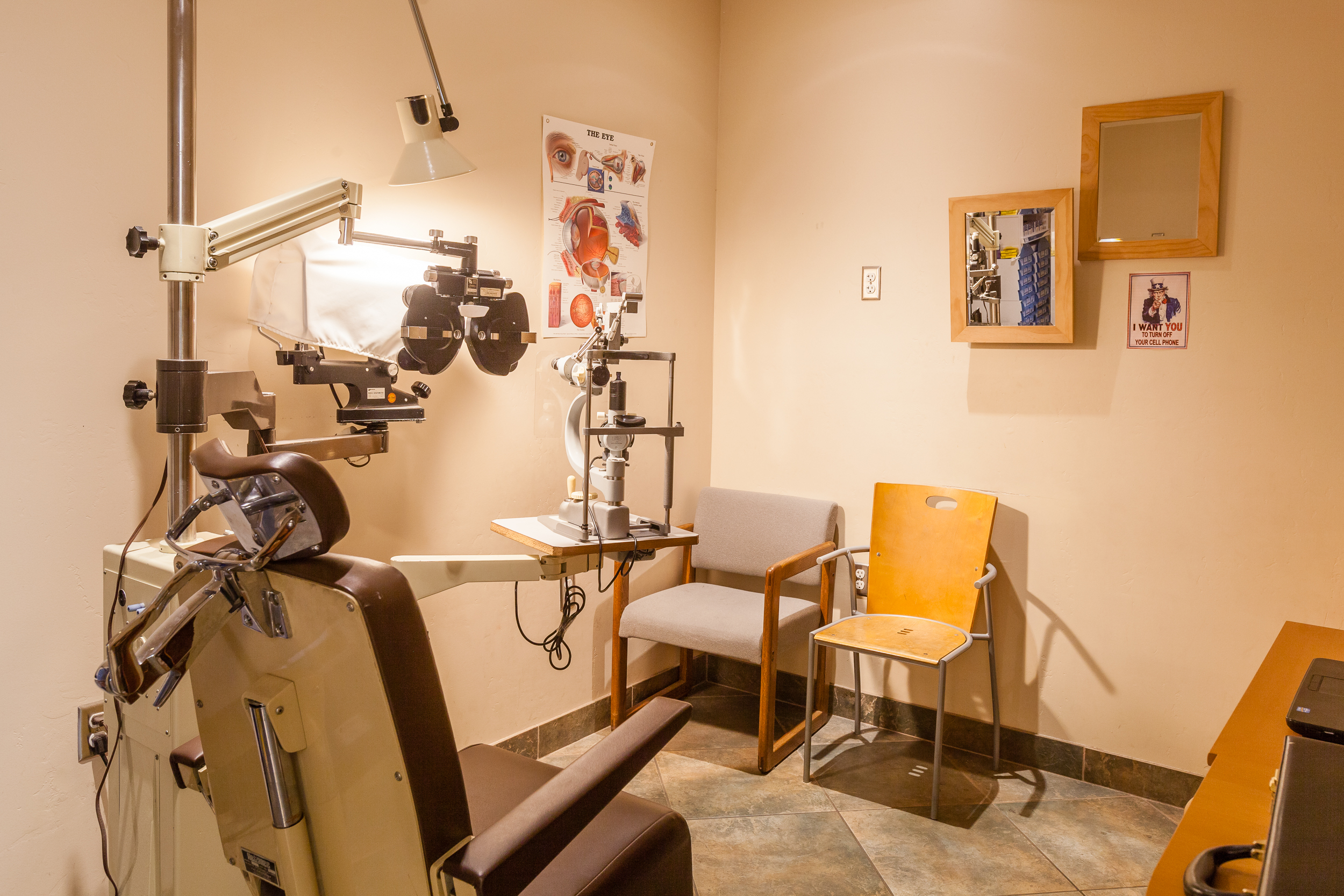 An exam room at San Diego Vision Care Optometry, where Dr. Joseph Toth, OD treats patients.