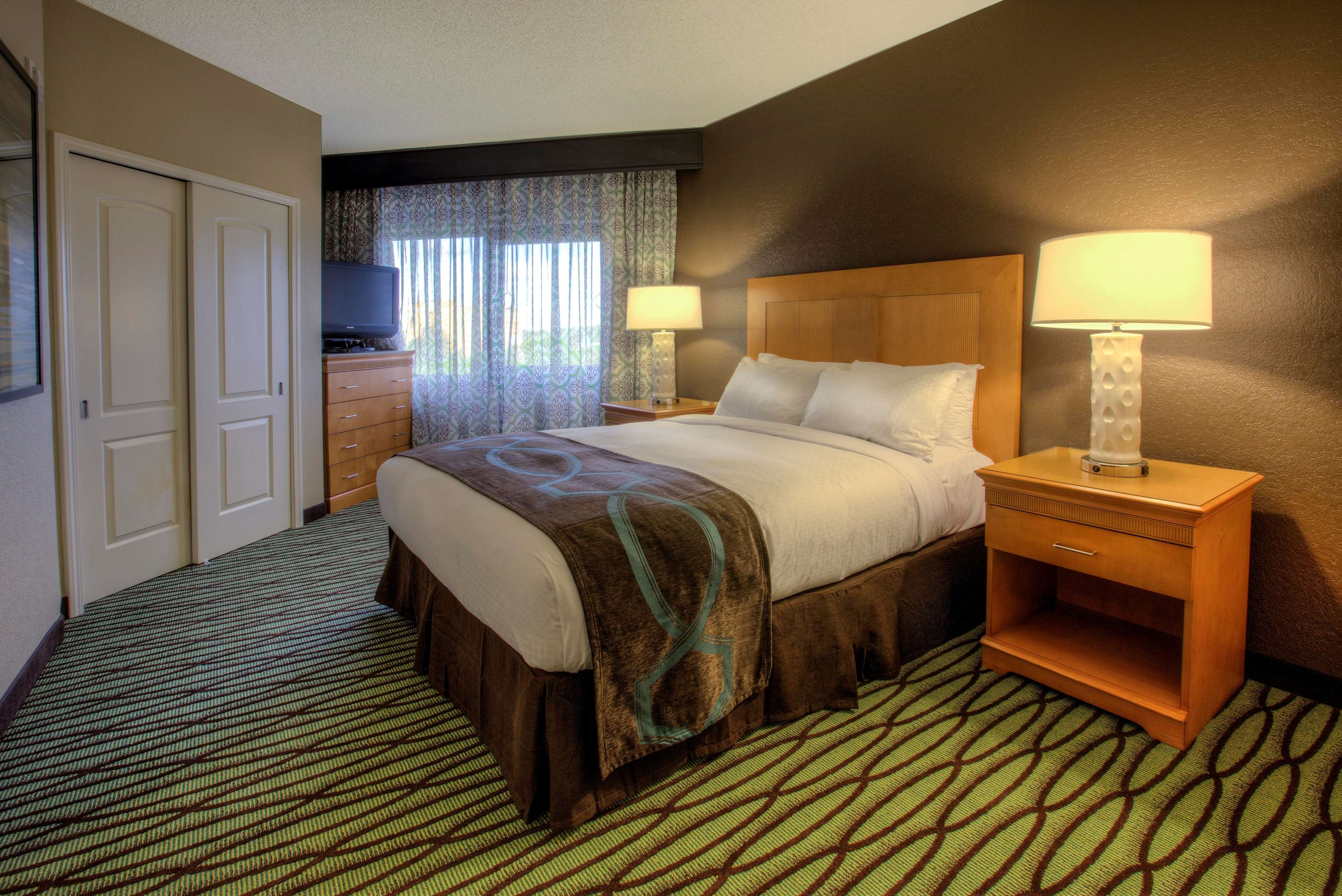 DoubleTree Suites by Hilton Orlando - Disney Springs Area image 14