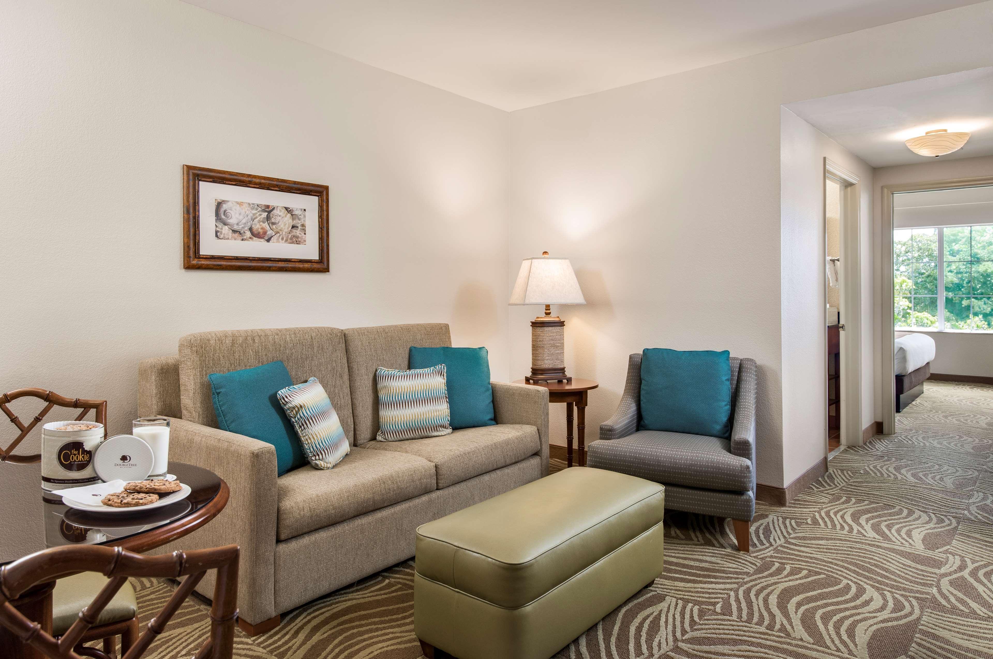 DoubleTree Suites by Hilton Hotel Naples image 19