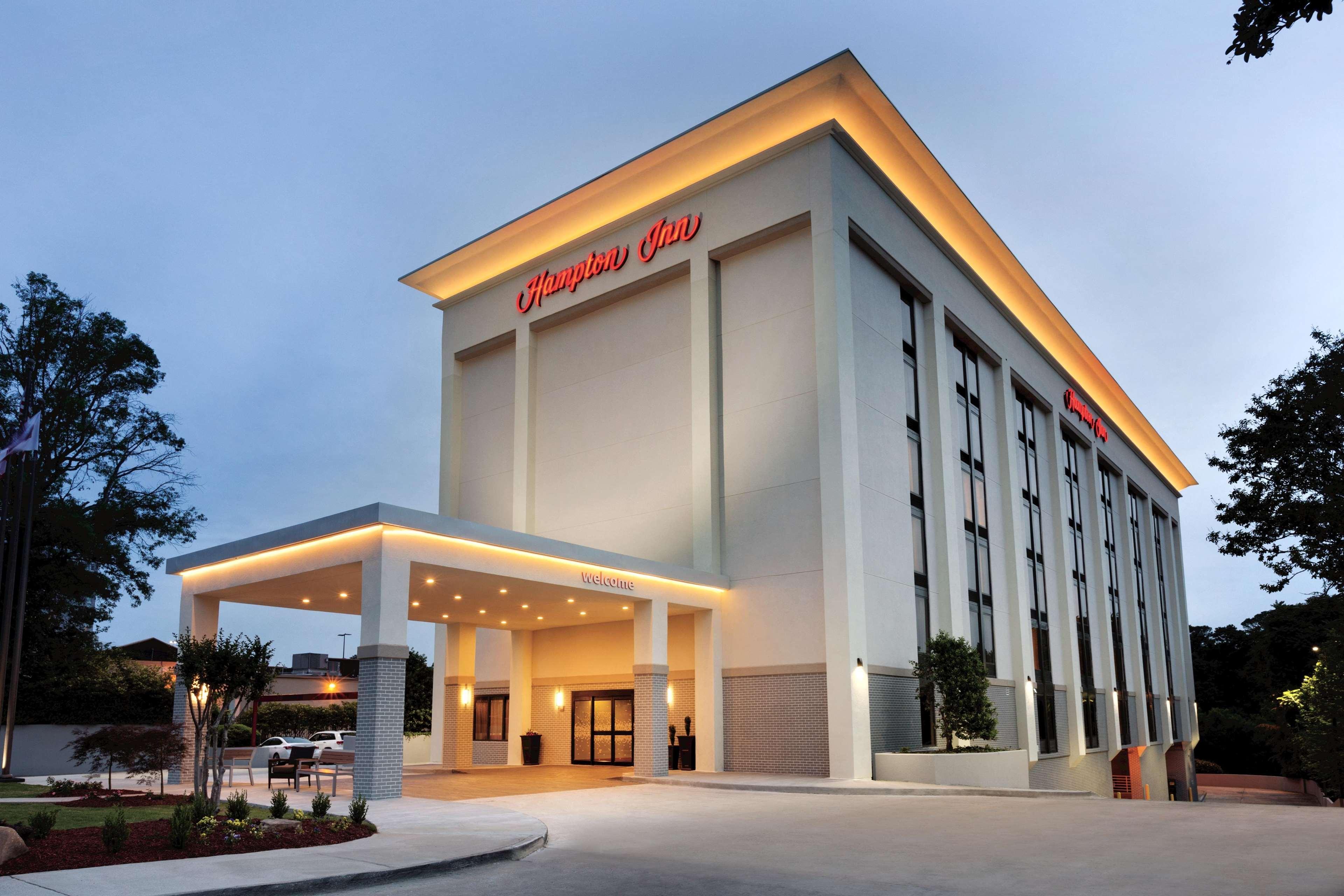 Hampton Inn Atlanta-Buckhead image 11