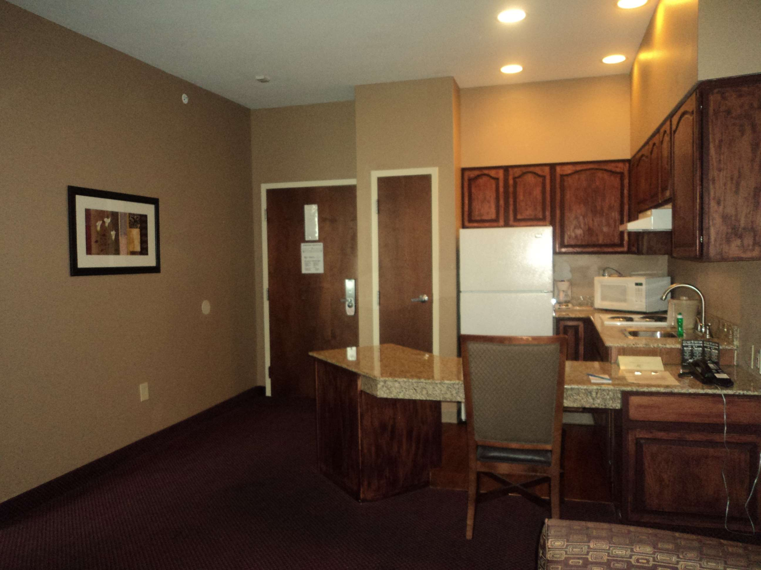 Best Western Plus Hannaford Inn & Suites image 20