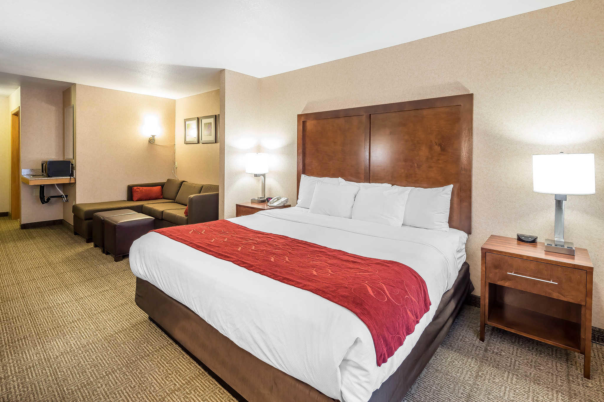 Comfort Suites Anchorage International Airport image 15