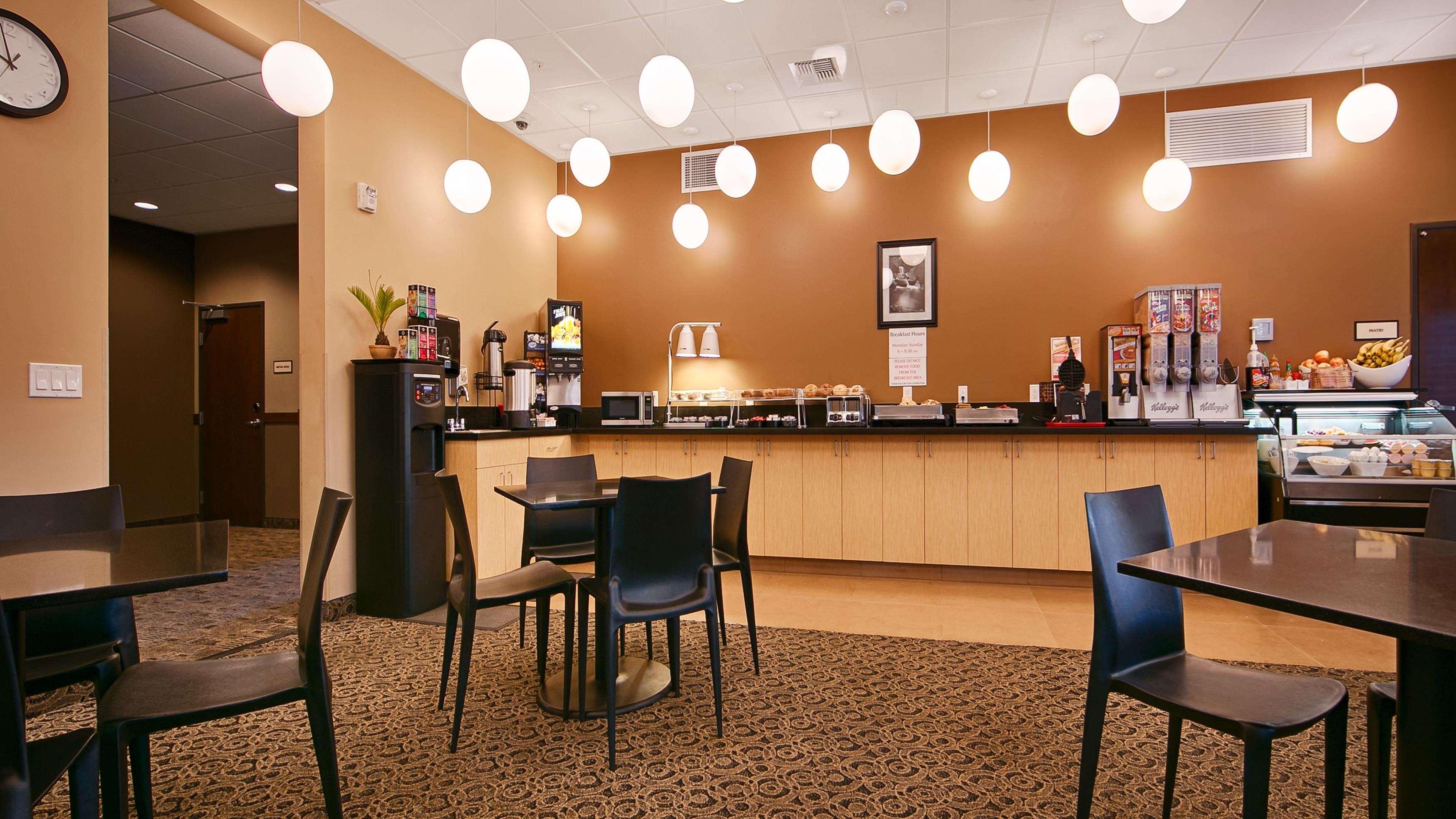 Best Western Plus Lacey Inn & Suites image 25