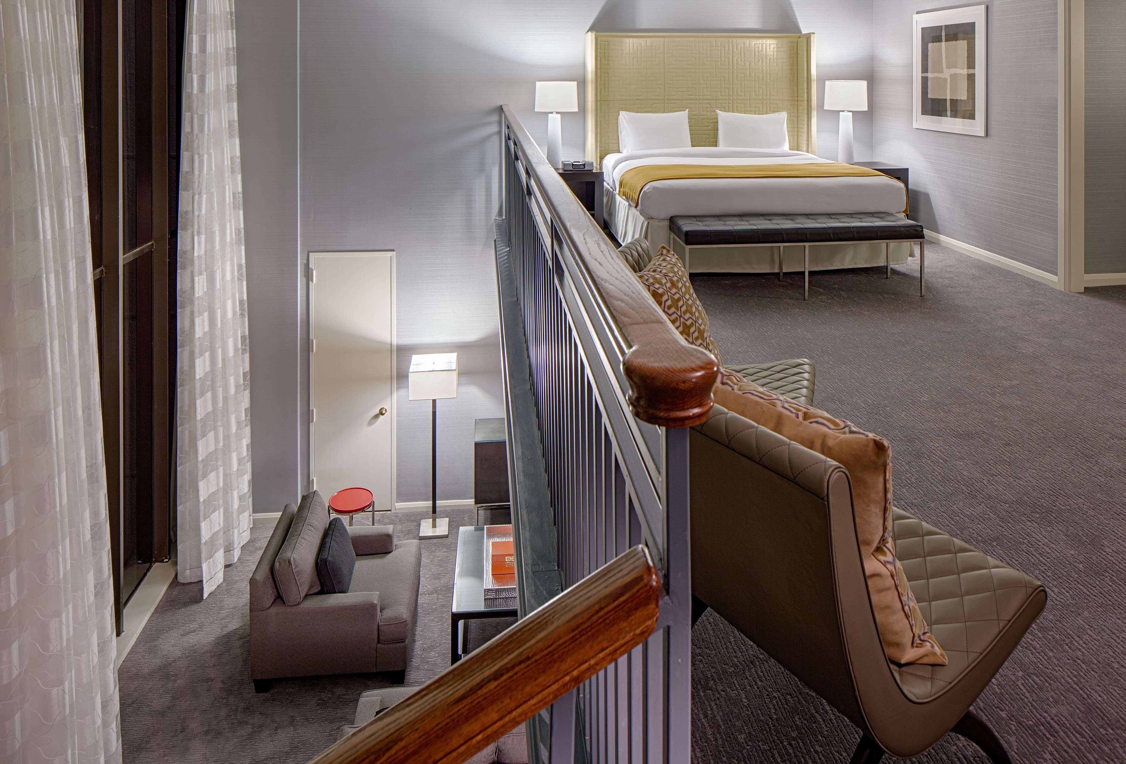 DoubleTree by Hilton Hotel Houston - Greenway Plaza image 31