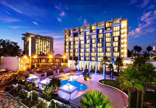 Discover A Pool Golf Full Service Spa And More At Our Luxury Hotel In Newport Beach