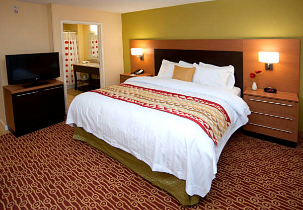 TownePlace Suites by Marriott Fort Wayne North image 5