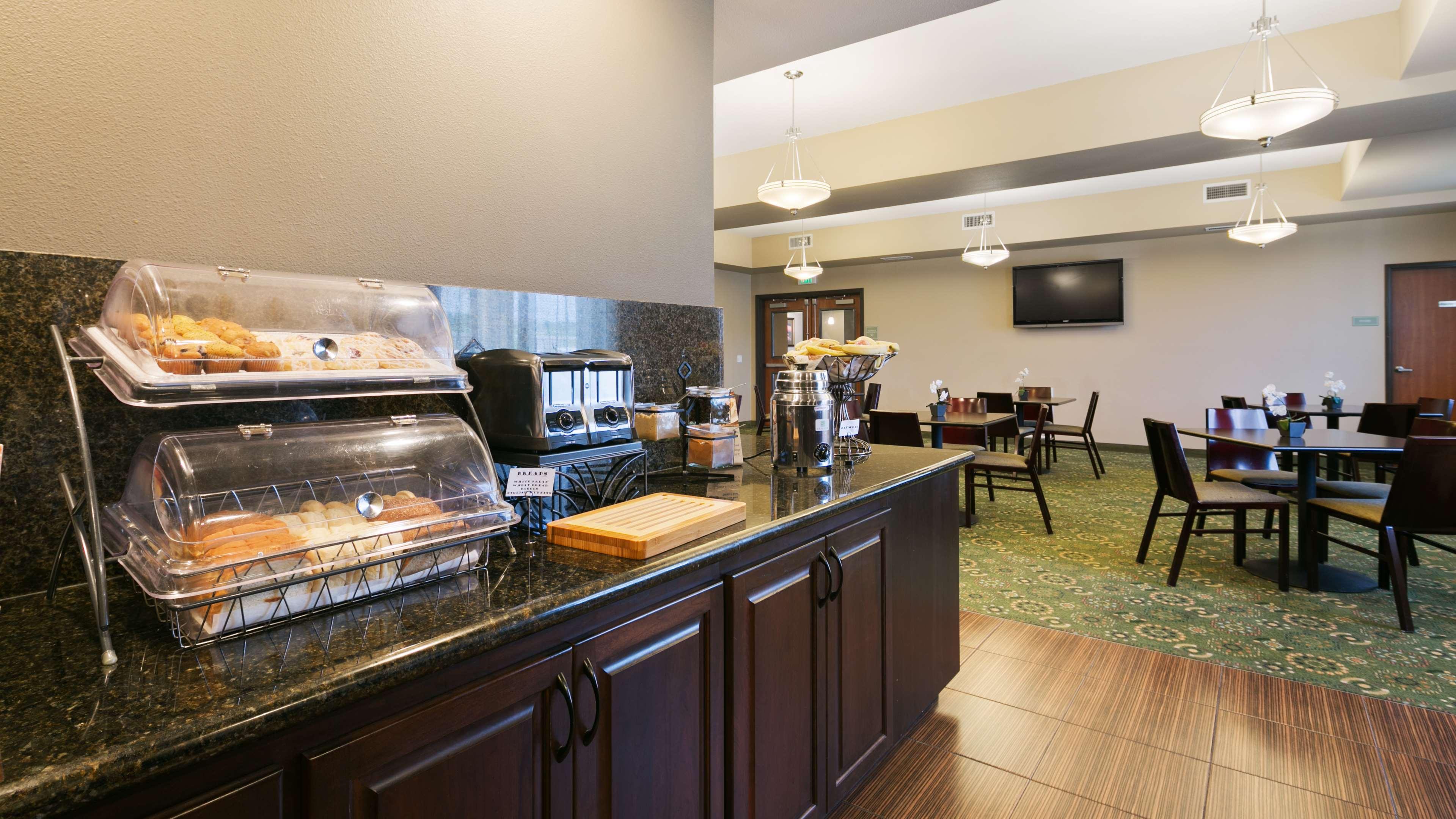 Best Western Plus Parkersville Inn & Suites image 14