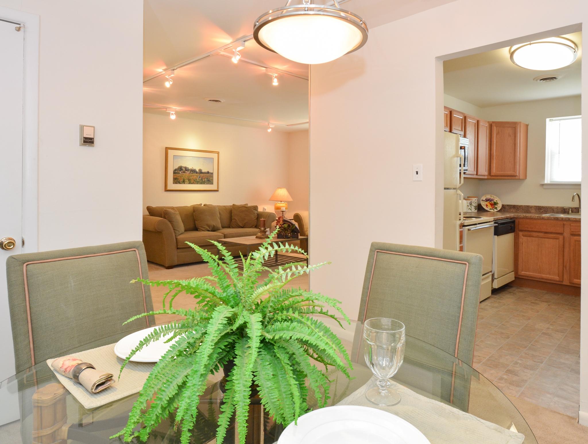 OakTree Apartments image 9