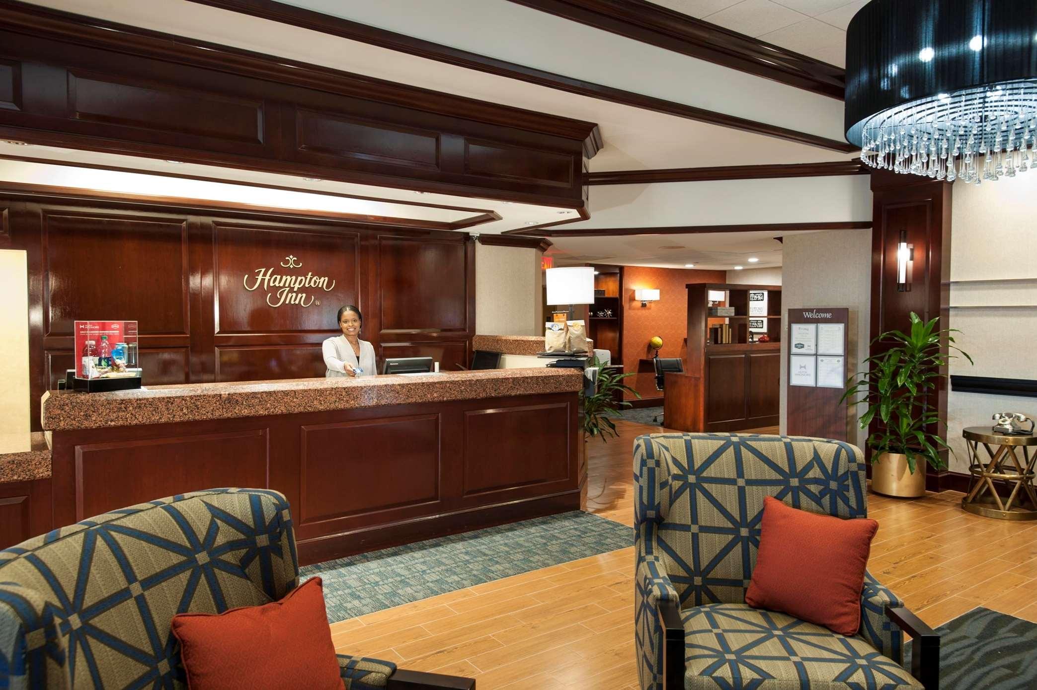 Hampton Inn Dulles/Cascades image 1